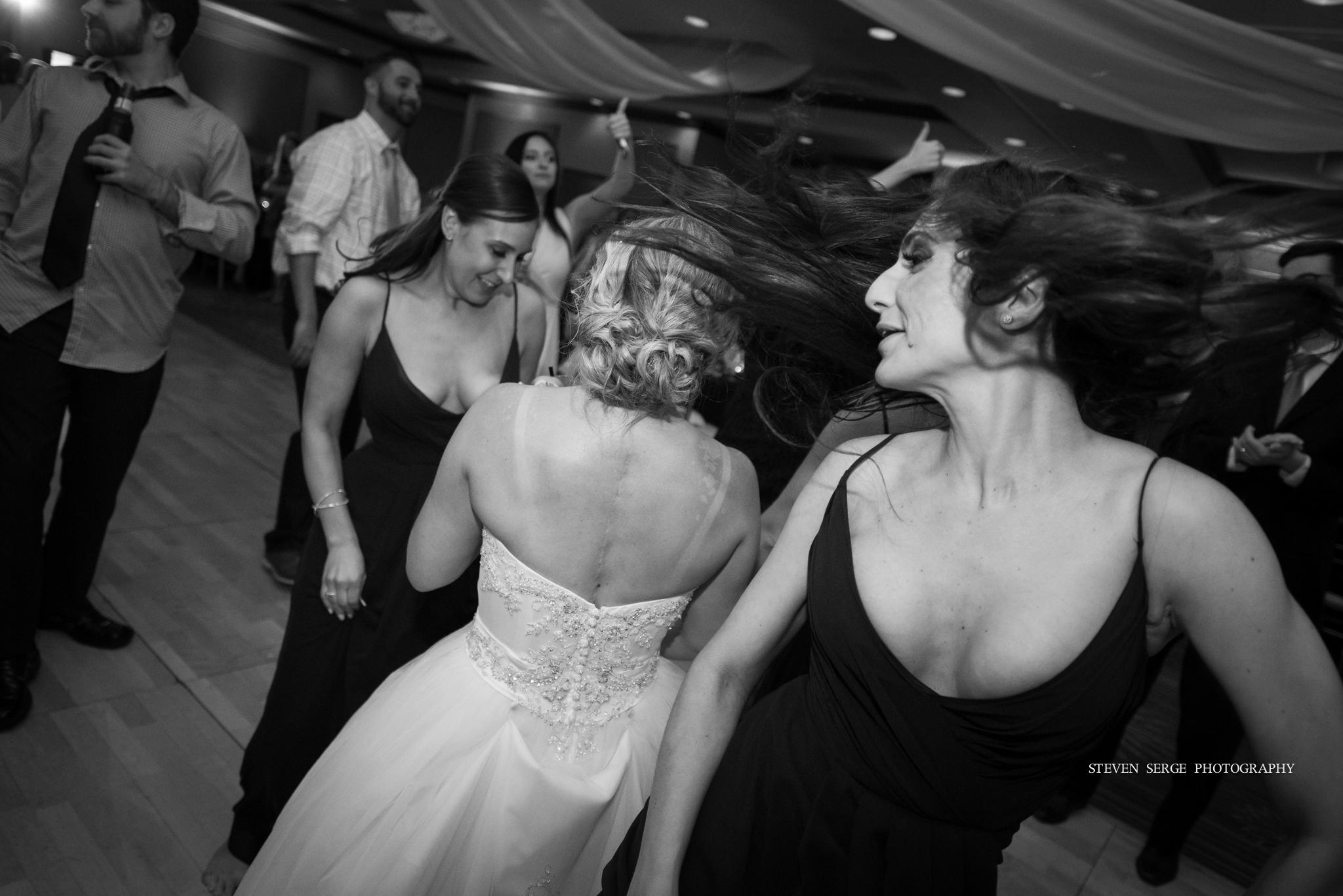 scranton-wedding-photographers-hilton-steven-serge-photography-28.jpg