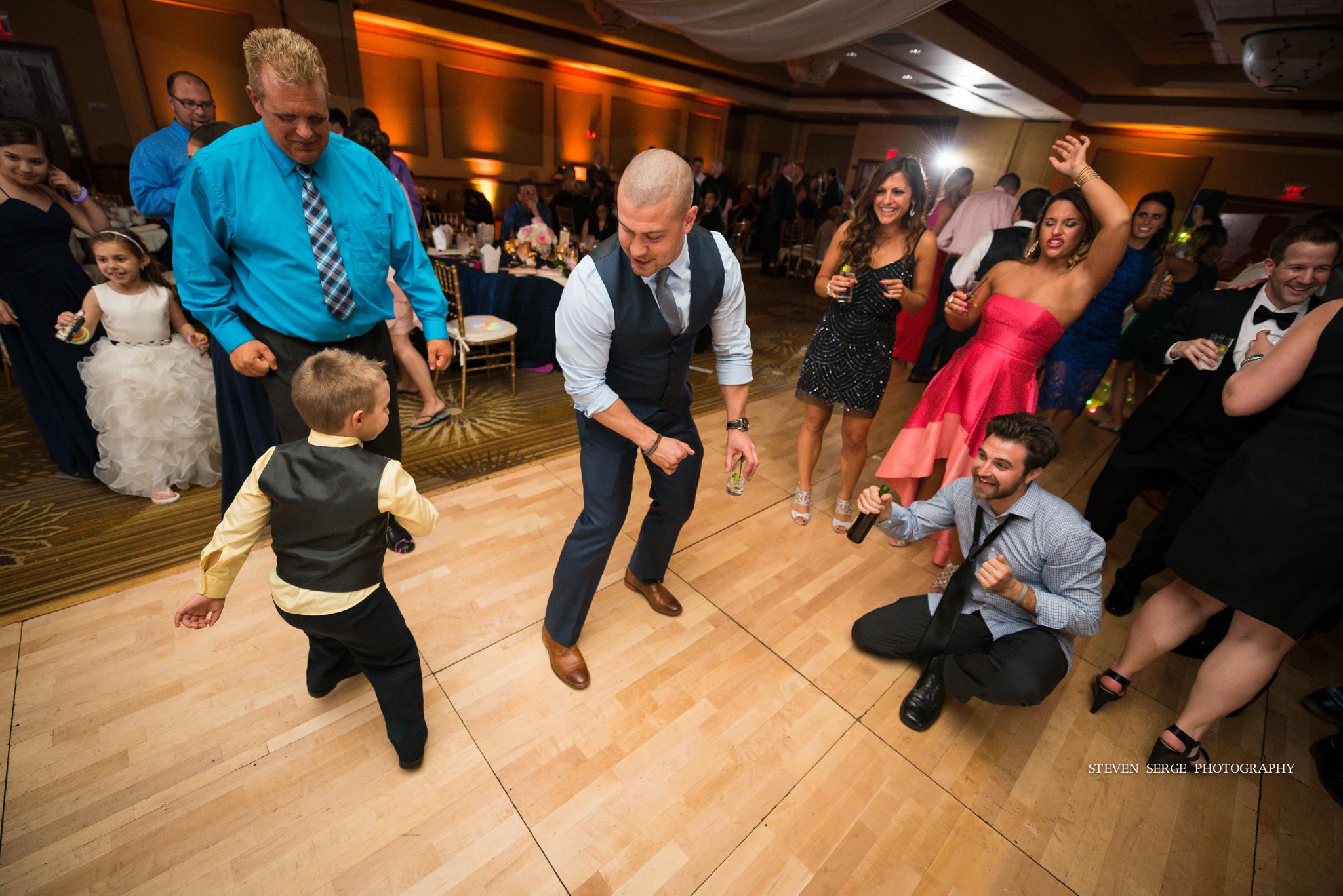 scranton-wedding-photographers-hilton-steven-serge-photography-30.jpg
