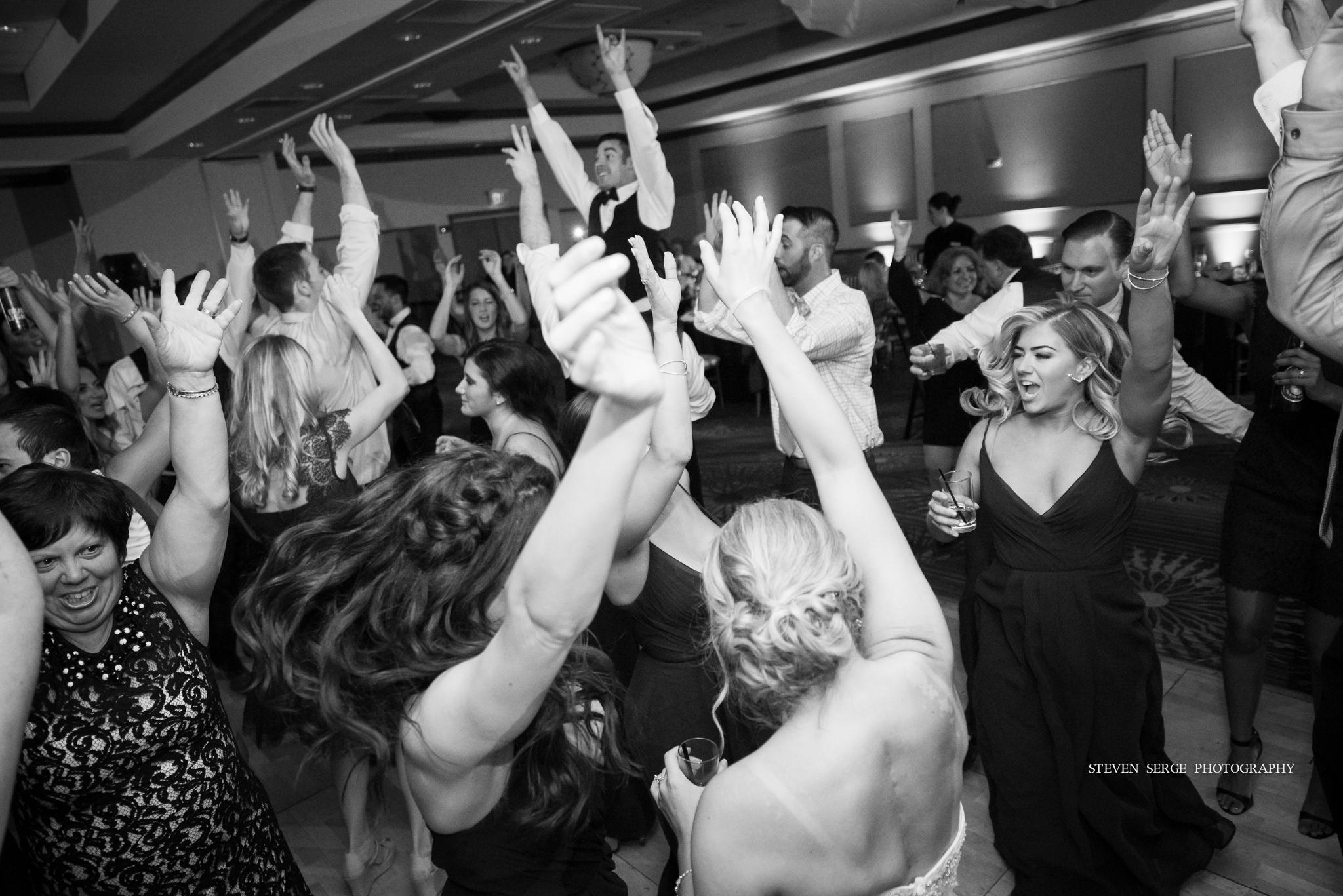 scranton-wedding-photographers-hilton-steven-serge-photography-38.jpg