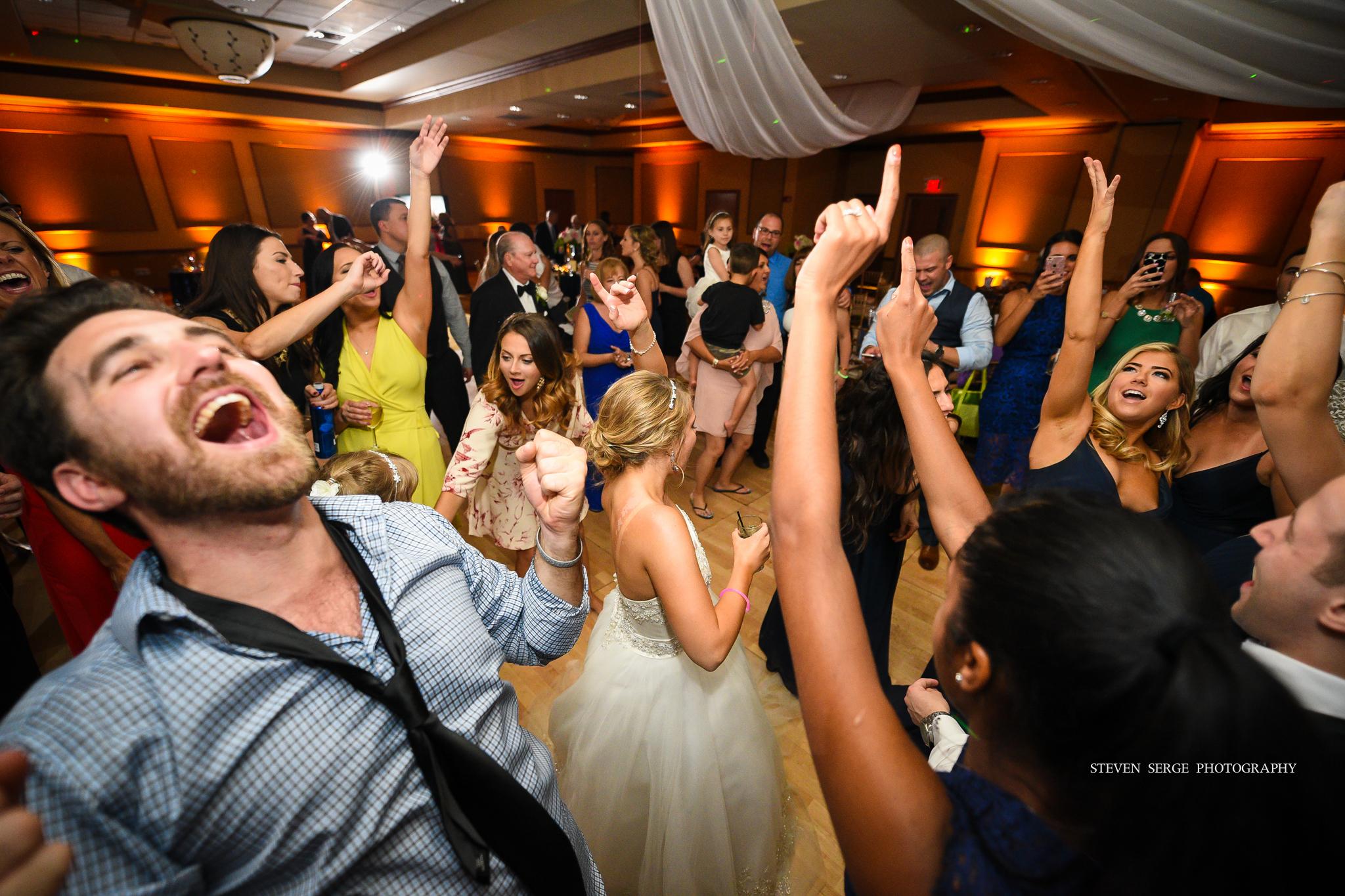 scranton-wedding-photographers-hilton-steven-serge-photography-40.jpg