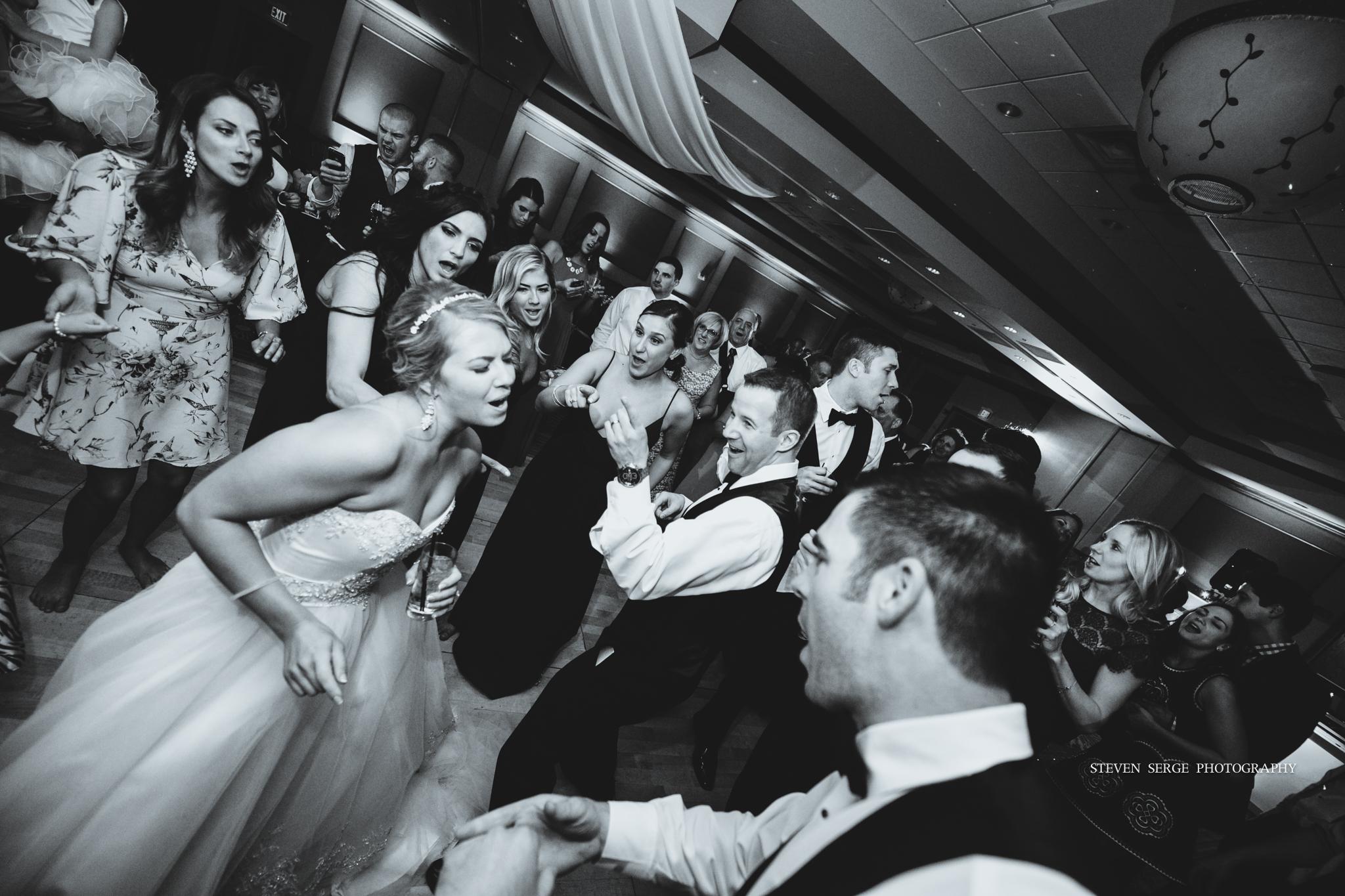 scranton-wedding-photographers-hilton-steven-serge-photography-41.jpg