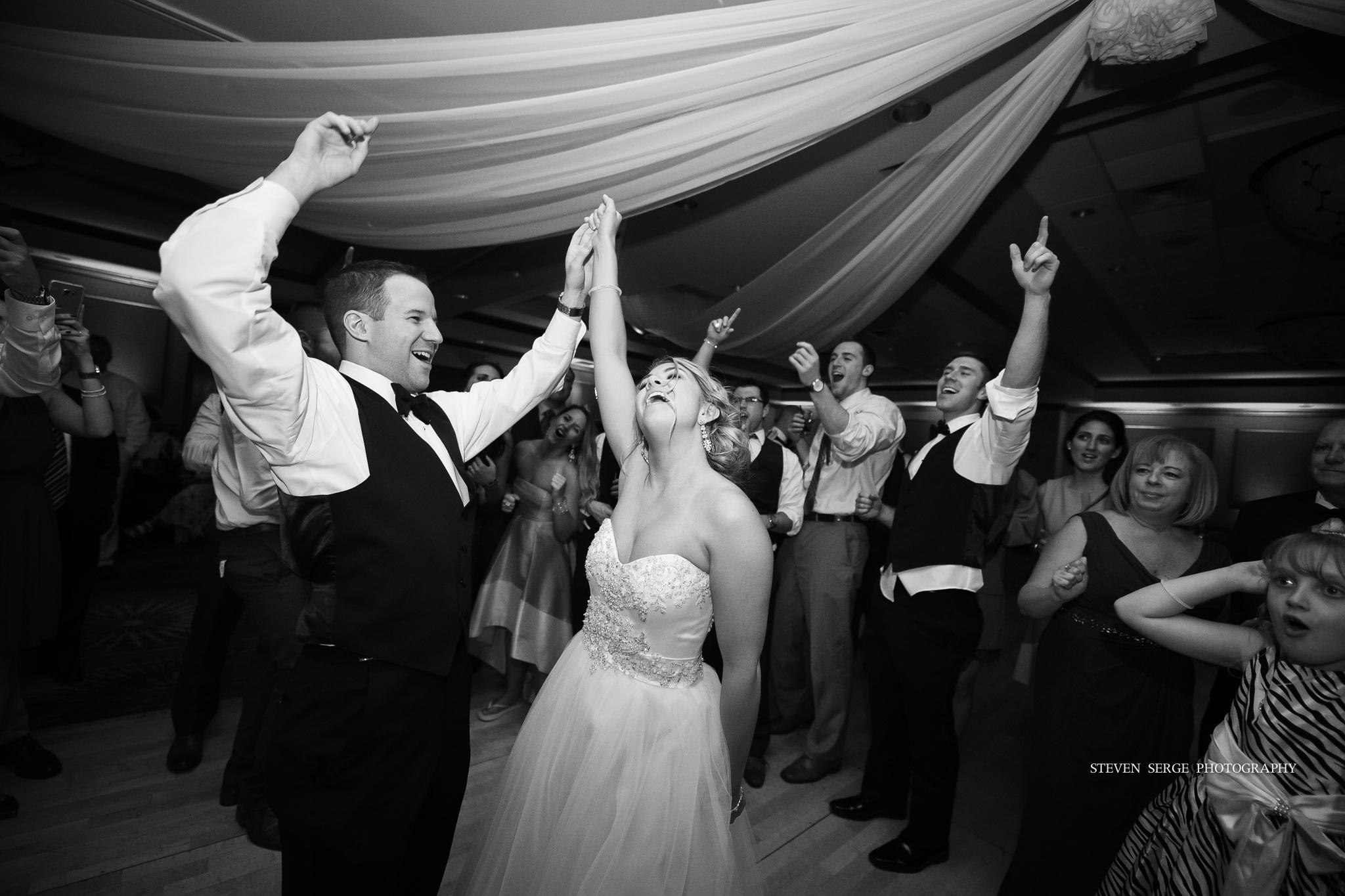scranton-wedding-photographers-hilton-steven-serge-photography-44.jpg
