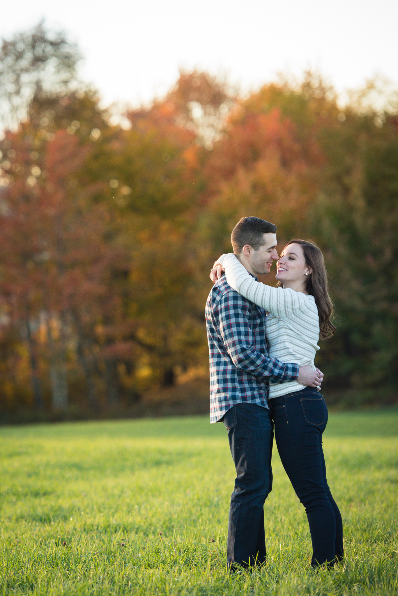 Farm-engagement-shoot-photography-steven-cottrell-lake-barn-13.jpg