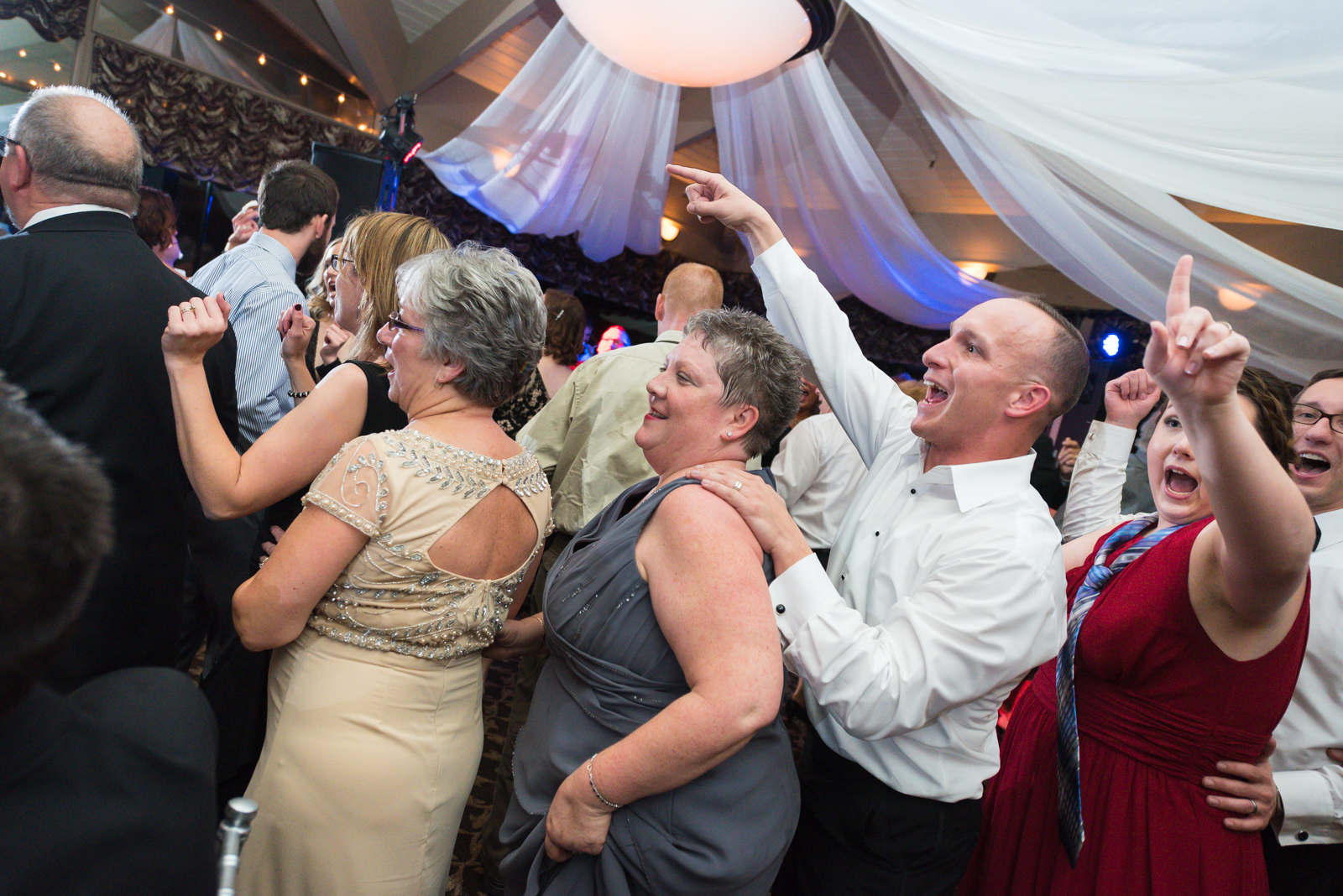 Scranton-clarks-summit-wedding-glen-oaks-contry-club-wedding-photographer-steven-serge-99.jpg