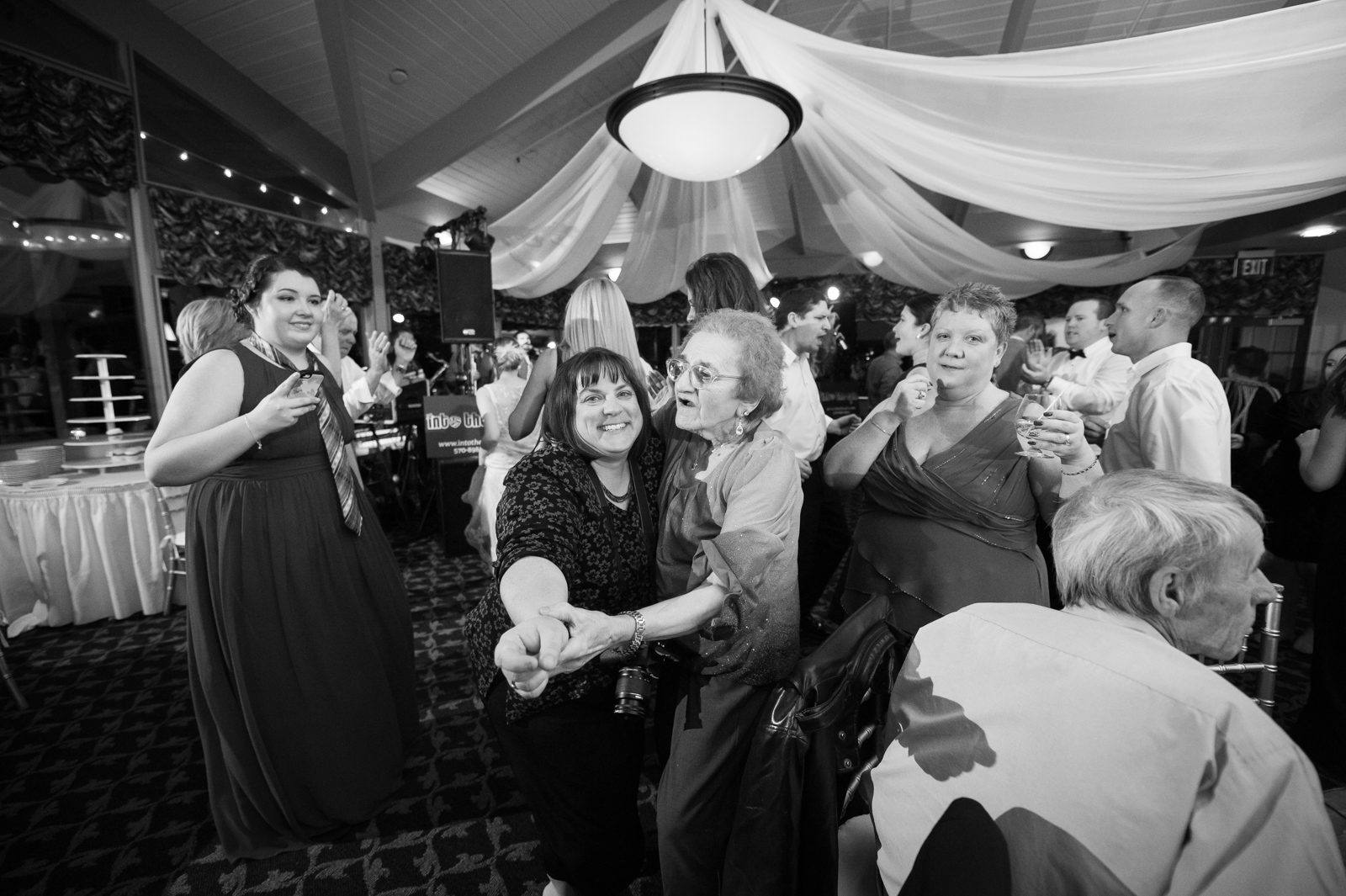 Scranton-clarks-summit-wedding-glen-oaks-contry-club-wedding-photographer-steven-serge-114.jpg
