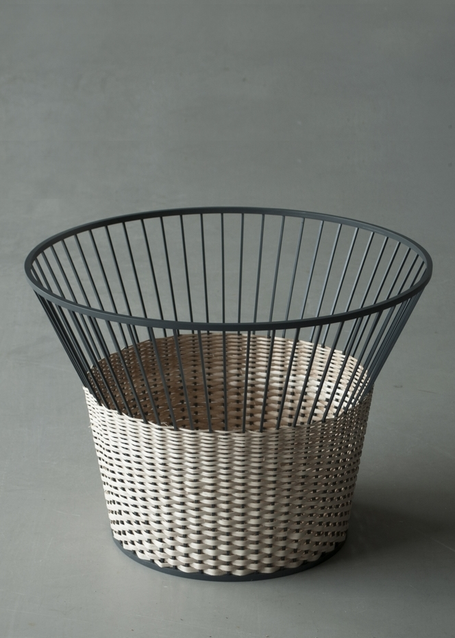 R650 - Basket & a Side Table