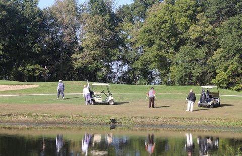 golfers at water.jpg