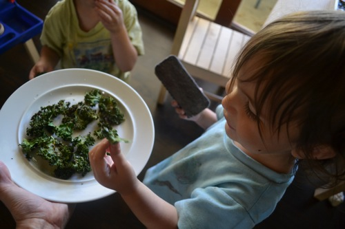 kids eating kale chips