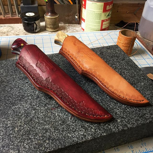 Finished these up today, coming soon to @bladefellas [ DM for Pricing ] cowboycustomknives.com • • • • #sheath #sheathmaking #knivesofig #customsheath #vegtanned #leathertooling #handmade #saddlestitch #cowboy #flowers