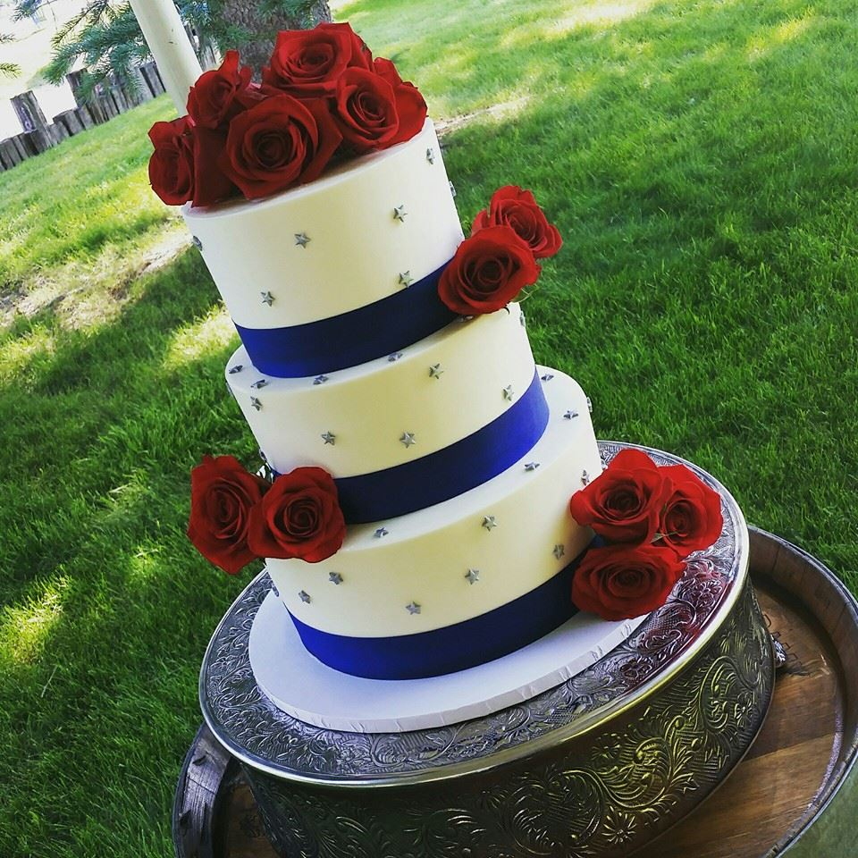 4th of July Wedding Cake.jpg