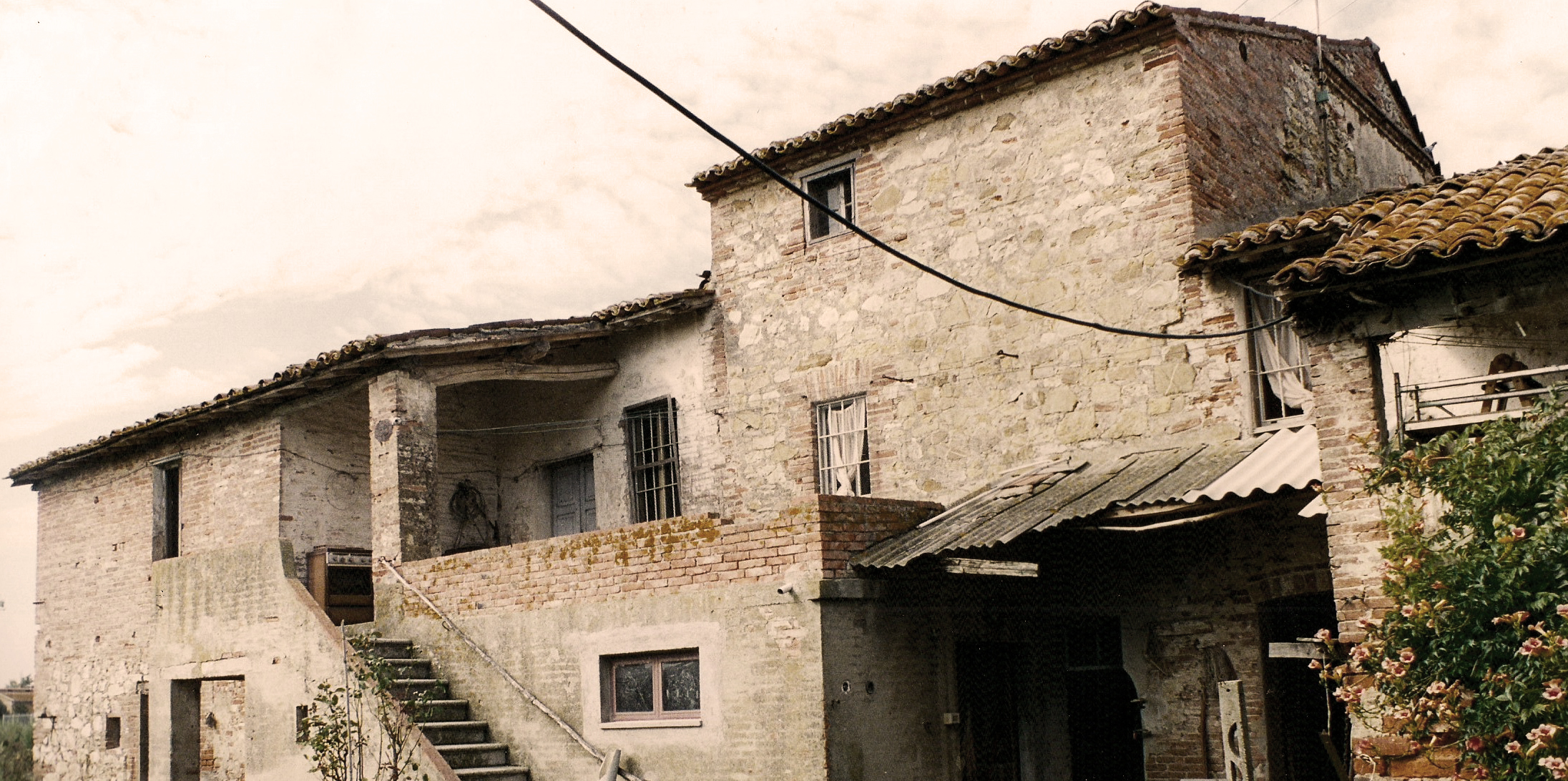 Podere Bello back in 1994, before the restoration.