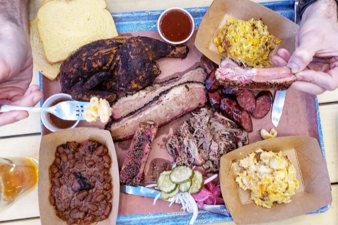 Maples Barbecue Oak-smoked BBQ joint w/ a bourbon bar -