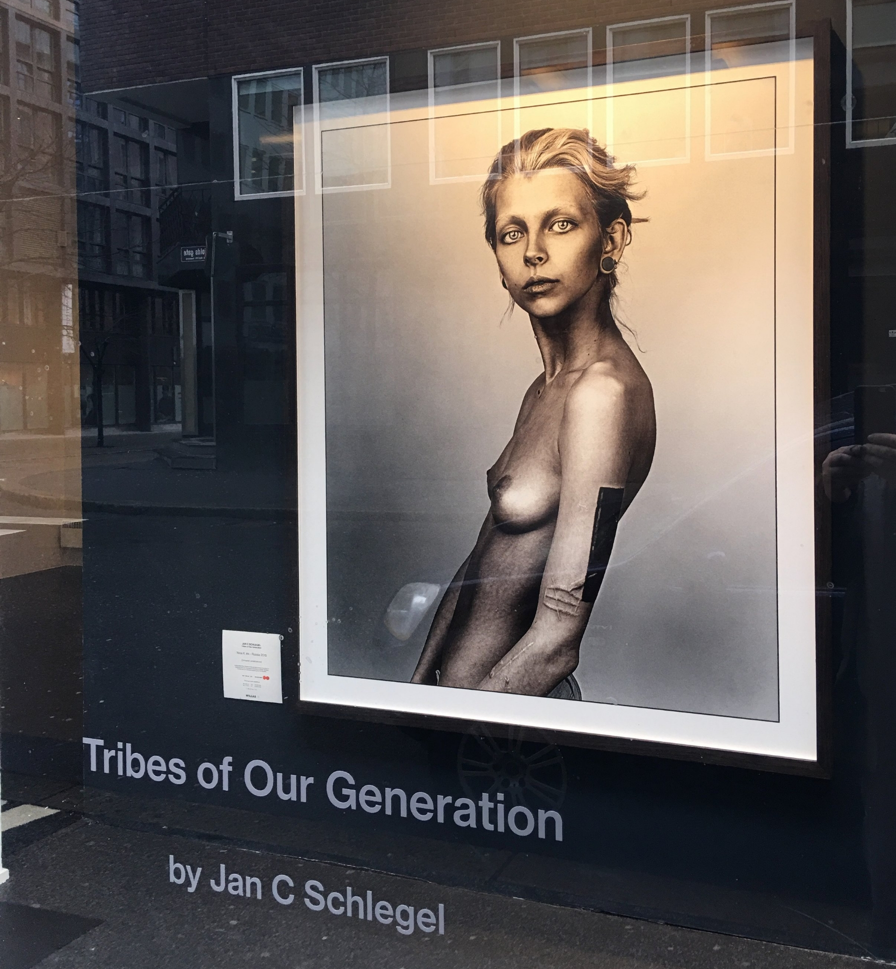 Picture of Yana K. at the exhibition at Willas in Oslo