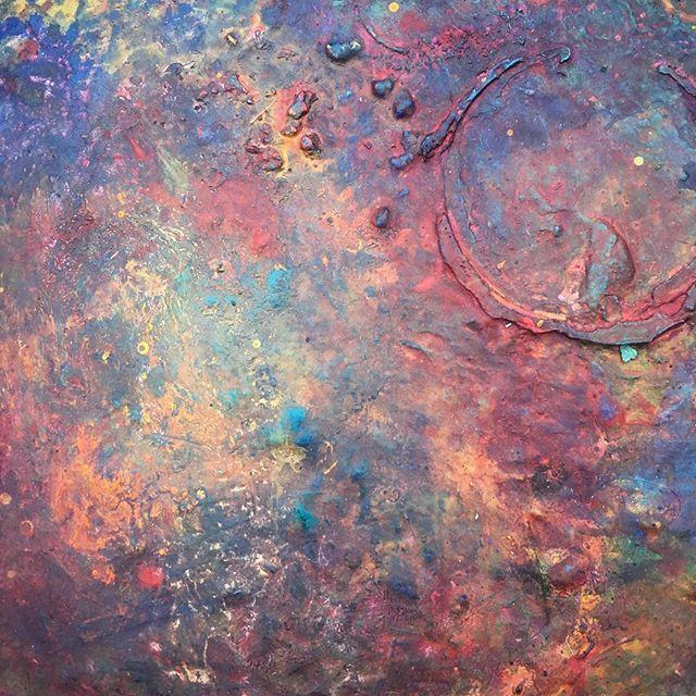 #paintdish #painting #pallet #paintmixing #colormixing #rainbow #galaxy #nebula #trippy #happyaccident #infinity