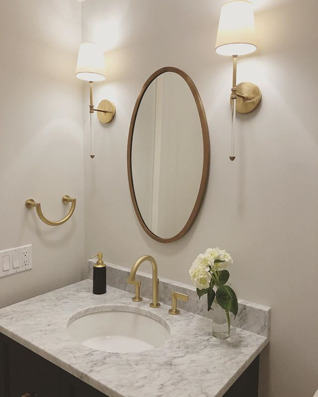 A sneak peek from our photo shoot yesterday at the Paulina St project. Check out stories for some more behind the scenes pics. #louisejohnstondesign #bathroomdesign #interiordesign . . . . . . #powderroom #interiordesigner #interior123 #interiorinspiration  #irishinteriordesigner #interiordesignerireland #interiorstyle #dreamhome #dreamhouse #housegoals #pursuepretty #flashesofdelight #theeverygirlathome #instadesign #gold #brass #brassdetails #dreamhome #decor #homedesign #instadecor