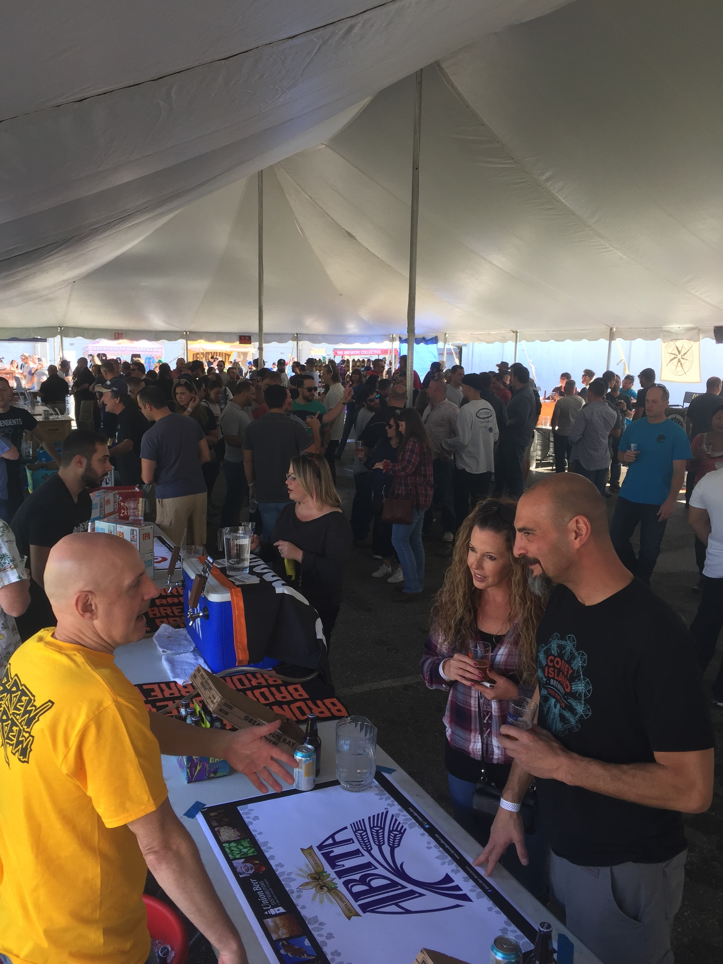 bellmore brewing puntoberfest 2017 people.JPG