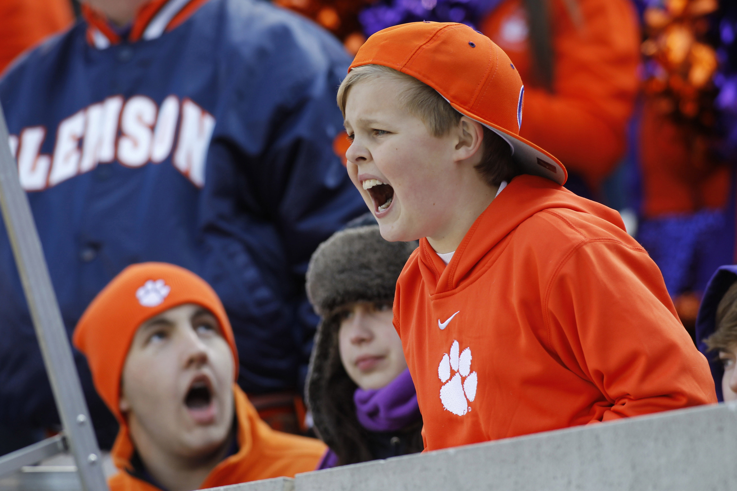 Ah, looks like we got ourselves a junior Dabo! That's some nice whinin' there, kid/