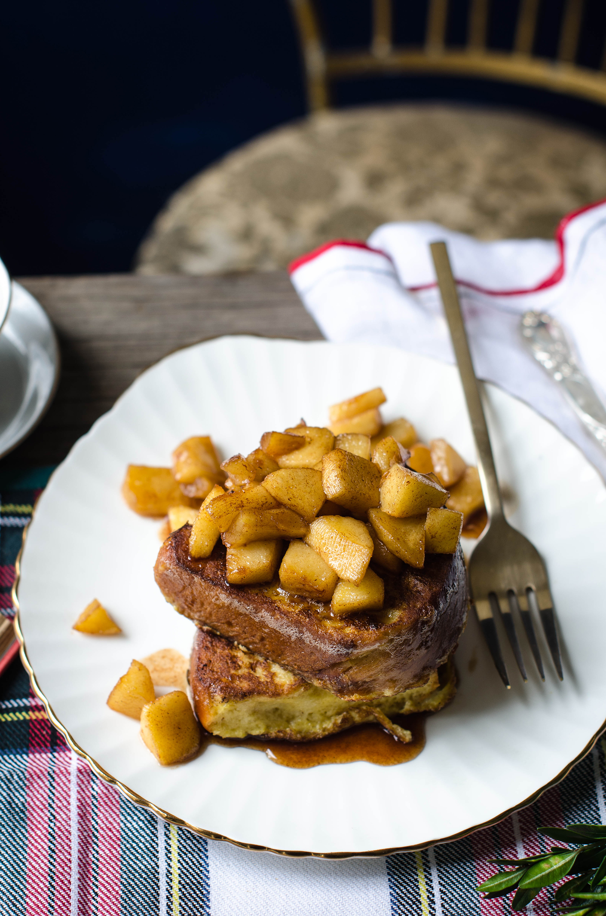 ROSE & IVY JOURNAL CHALLAH FRENCH TOAST WITH MAPEL APPLE COMPOTE