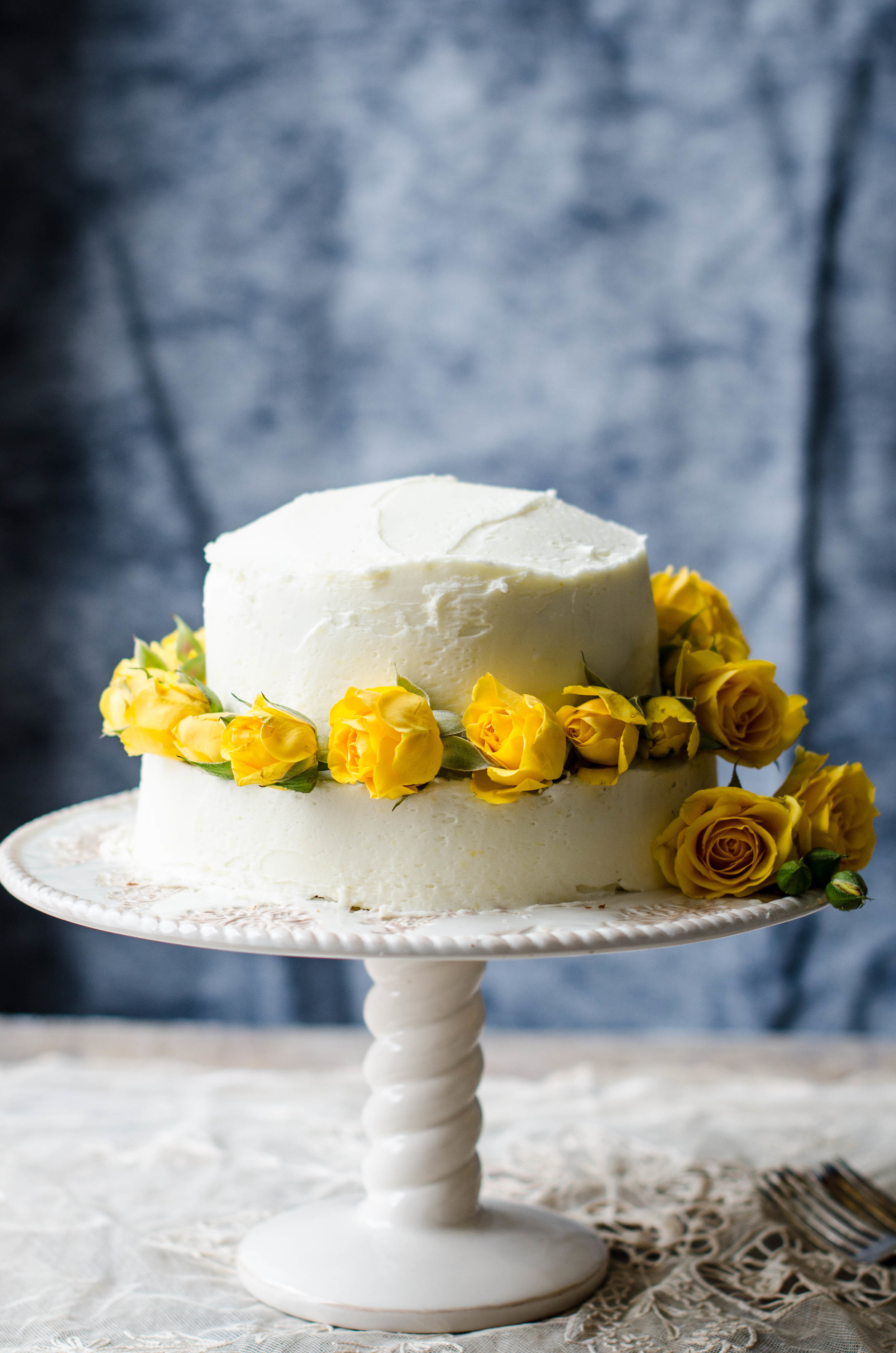 ROSE & IVY JOURNAL LEMON CAKE WITH LEMON BUTTERCREAM