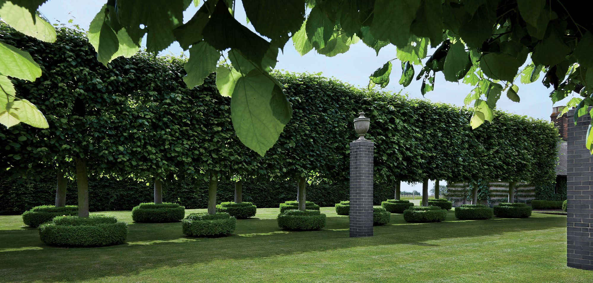 ROSE & IVY Journal Garden Dreamer An English Manor