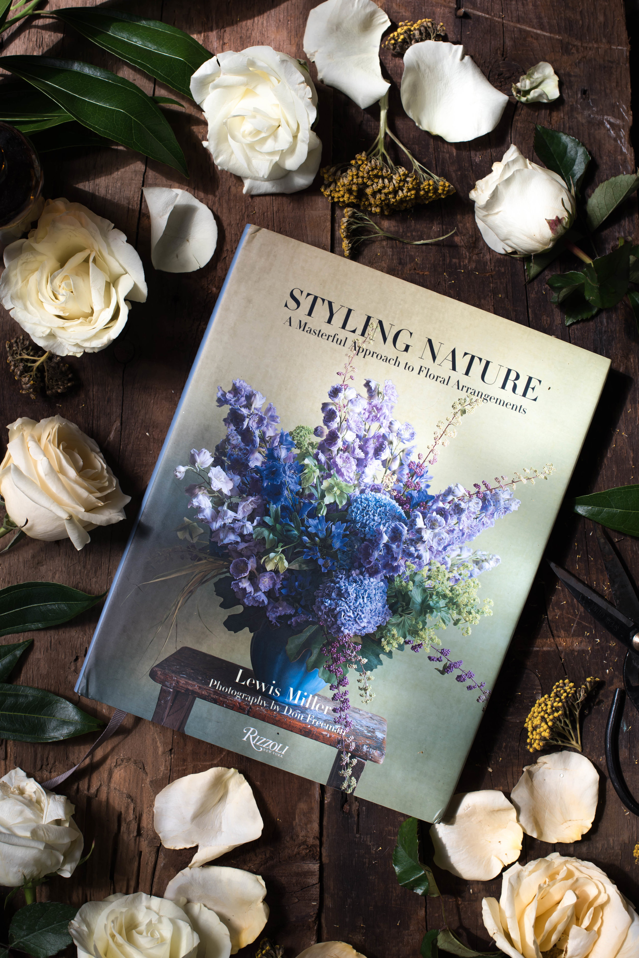 ROSE & IVY JOurnal Styling Nature A Masterful Approach to Floral Arrangements by Lewis Miller