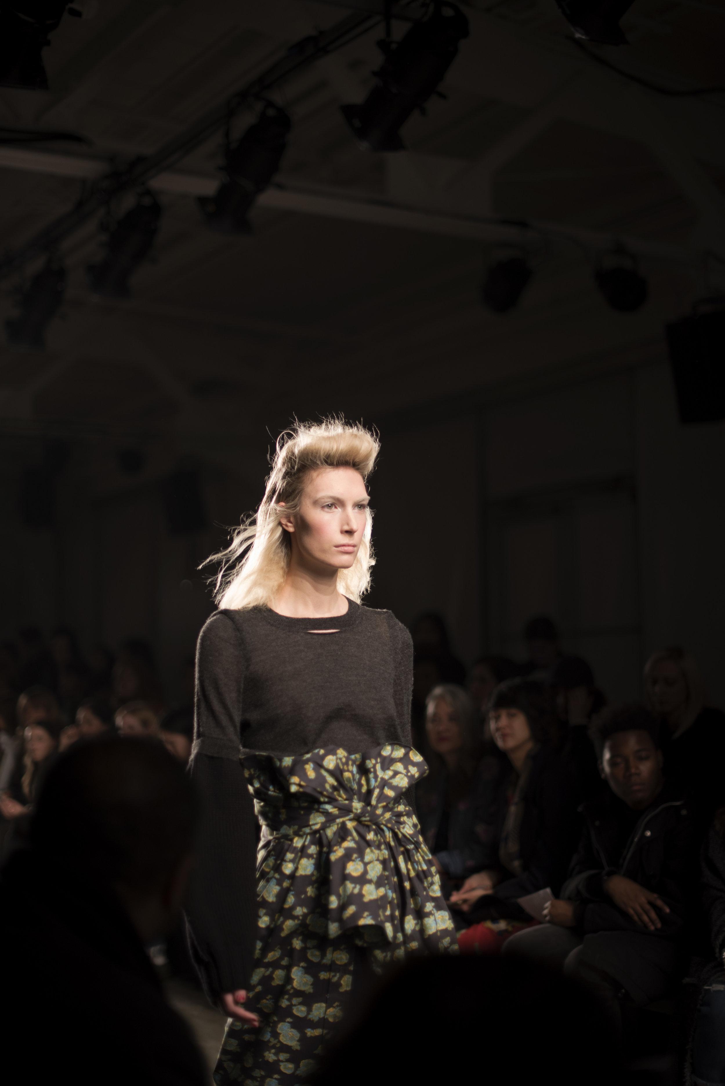ROSE & IVY Journal A Detacher Backstage Beauty & Highlights