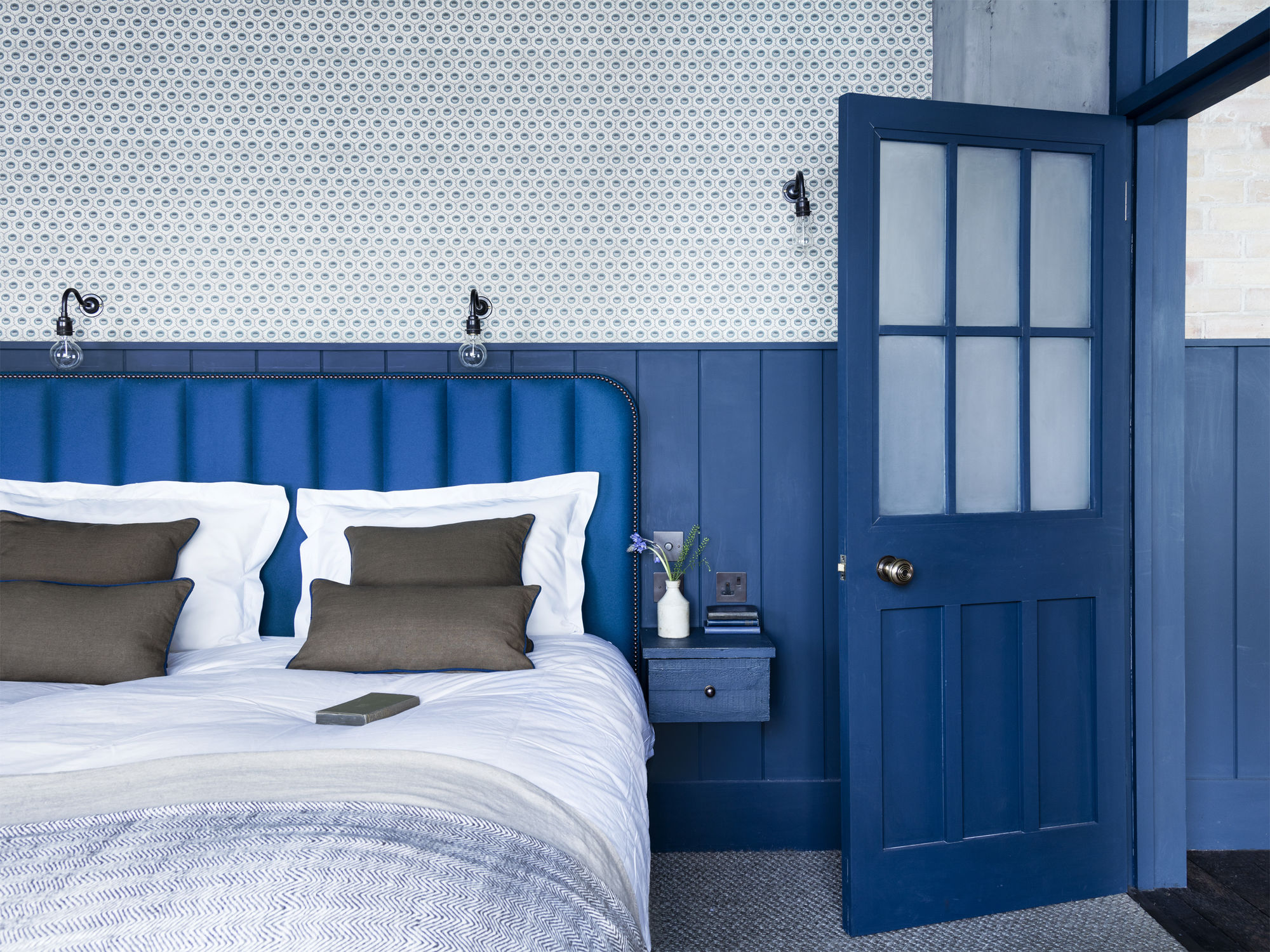 ROSE & IVY Journal Inspring Interiors   A Case for Blues in London