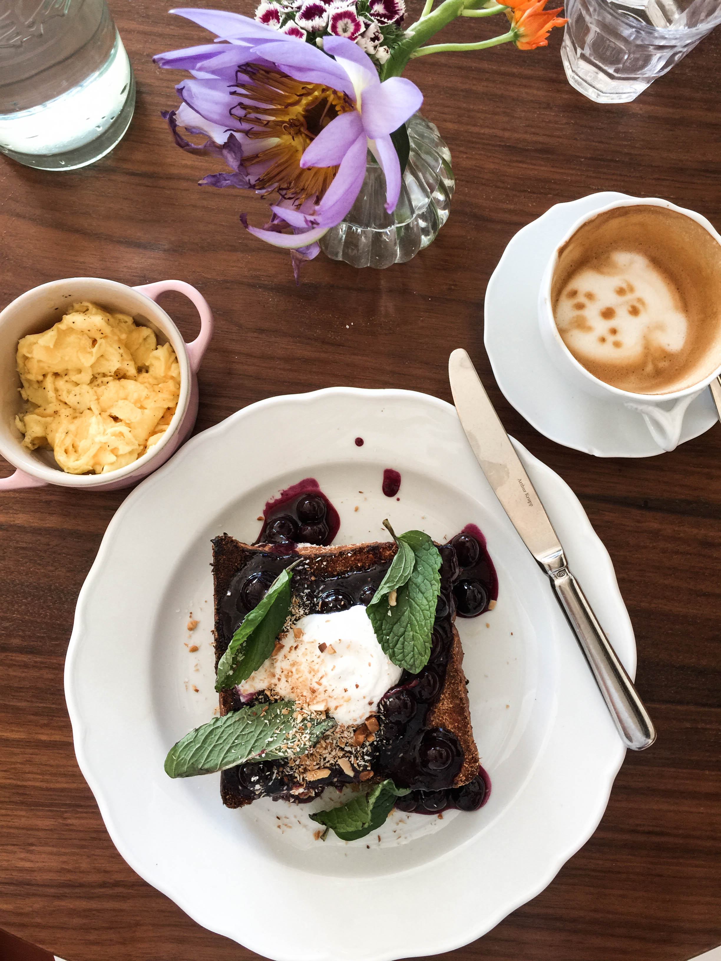 ROSE & IVY Journal Breakfast in New York Sauvage Brooklyn