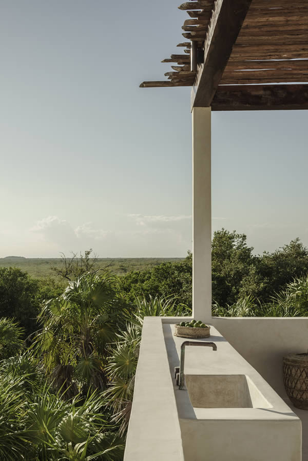 ROSE & IVY Journal Escape to Tulum, Stay at Tulum Tree House