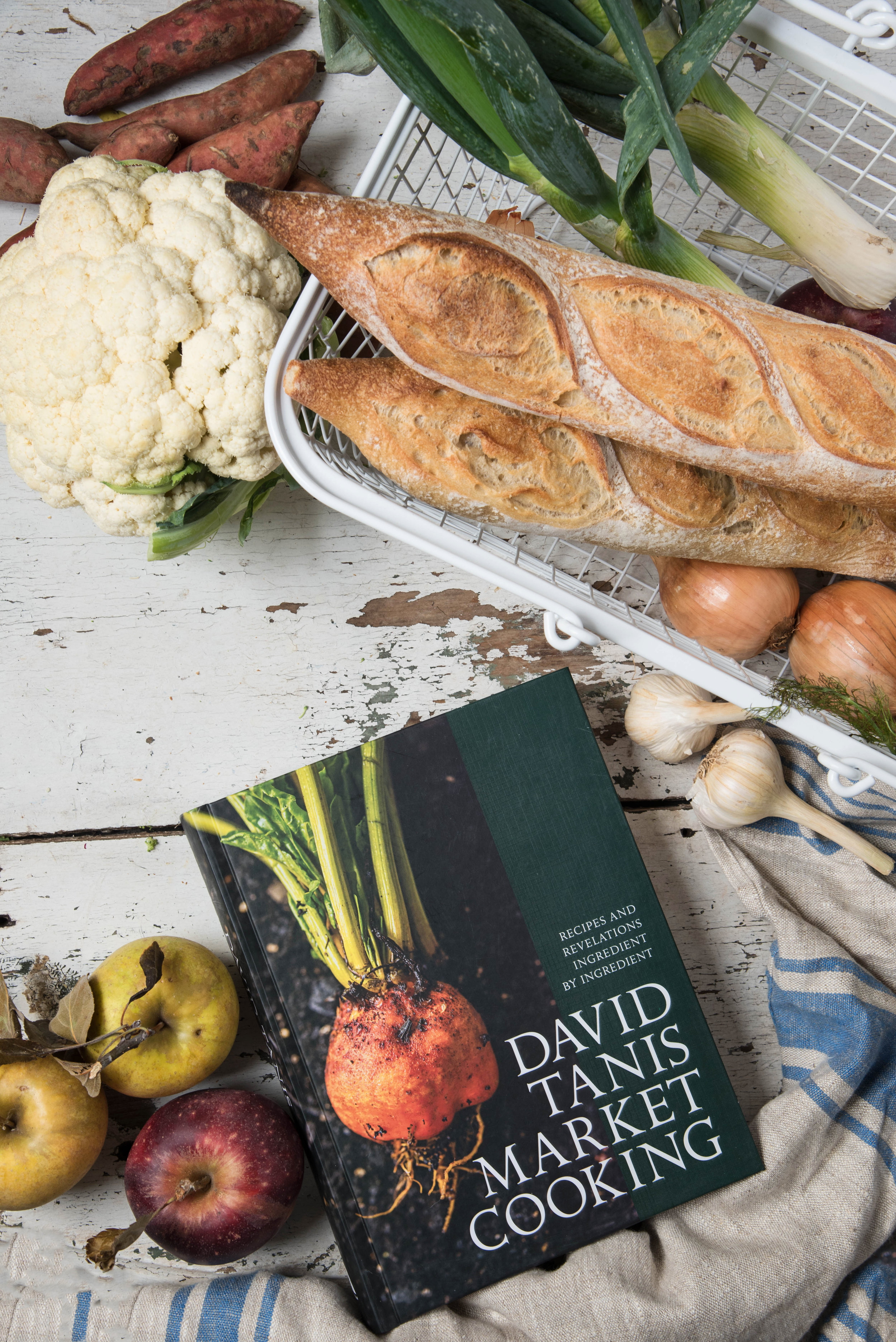ROSE & IVY JOURNAL Gift Guide For the Farmers Market Aficionado Lostine and David Tanis Market Cooking