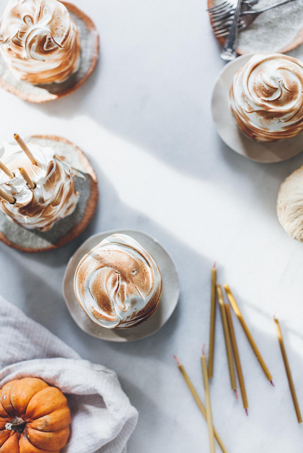 ROSE & IVY Journal Dessert Ideas for Thanksgiving Pumpkin Mini Pies