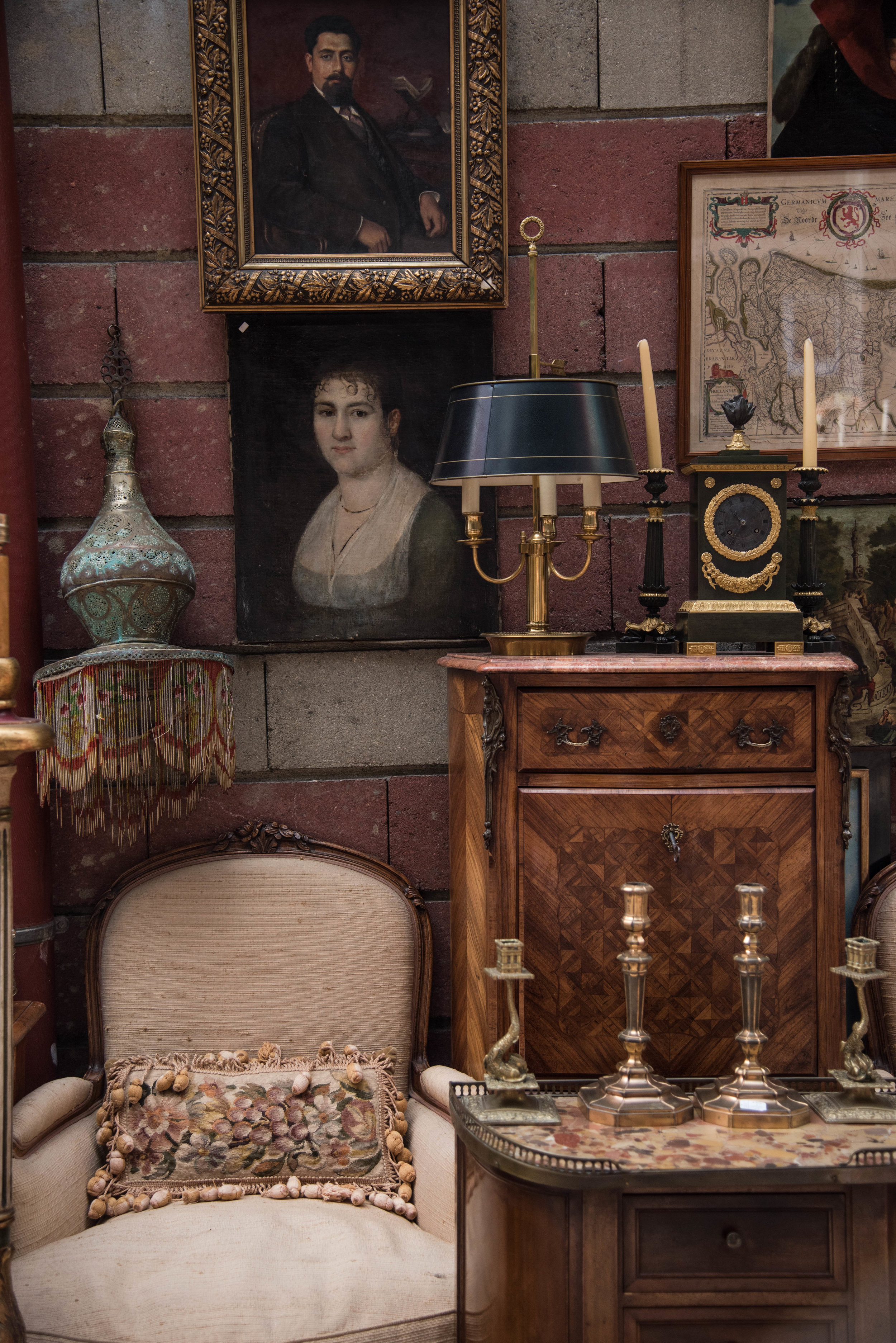The Paris Flea Market - Tips on Shopping One of the Best Markets in the World with The Antiques Diva & Co.