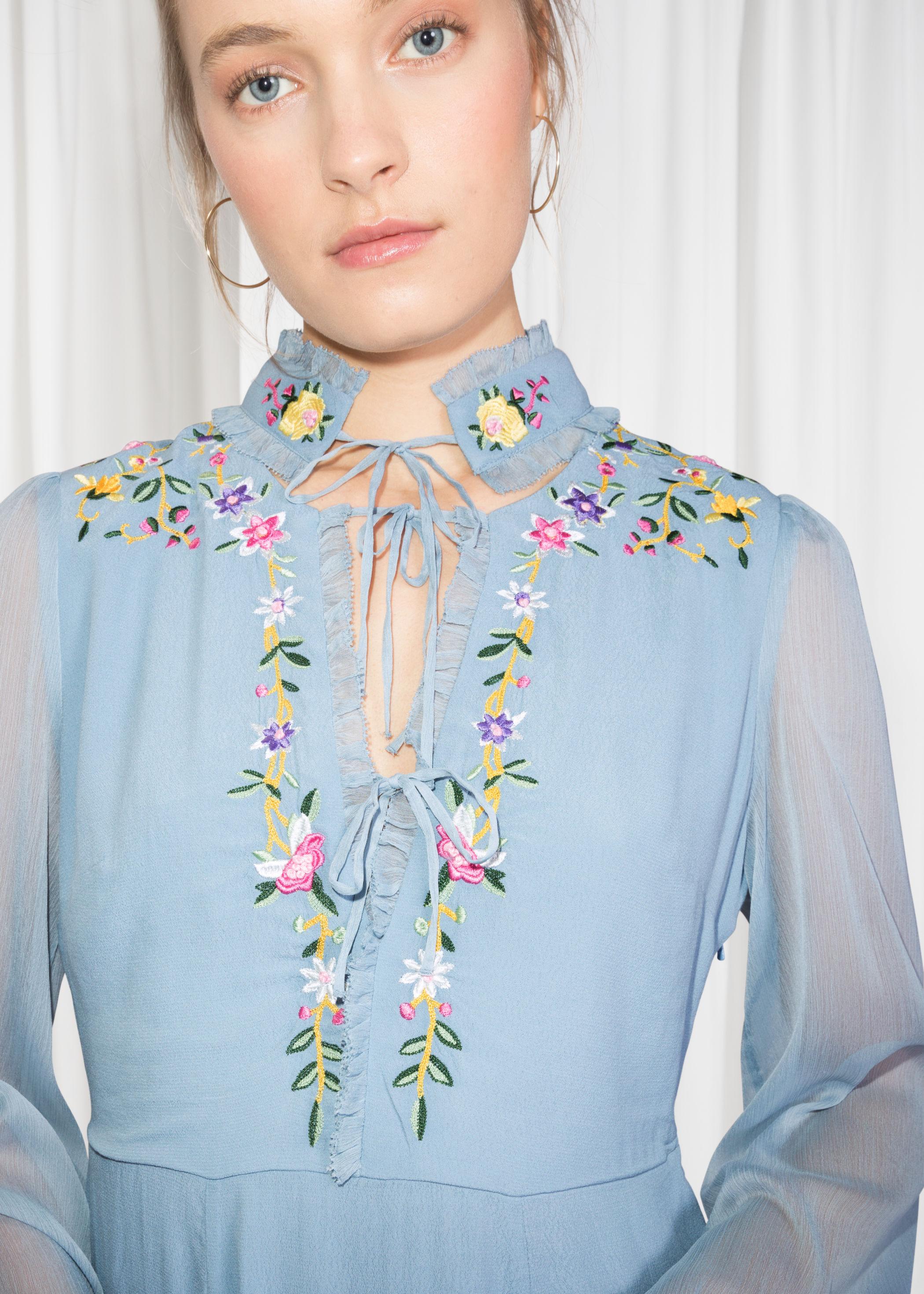 ROSE & IVY Jornal The Find A Vintage Inspired Floral Dress
