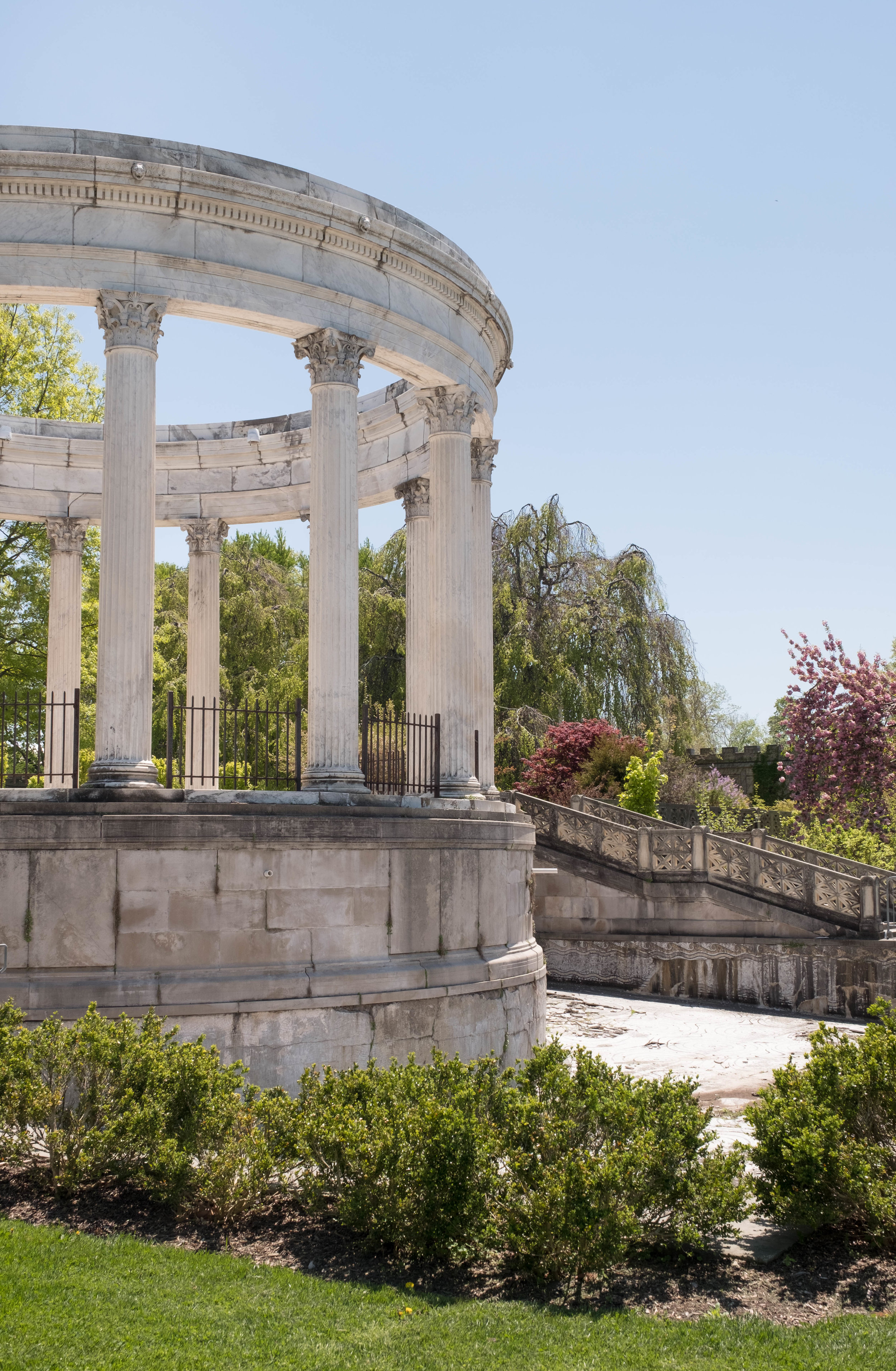 ROSE & IVY Journal The Secret Garden DISCOVERING THE BEAUTY OF UNTERMYER PARK AND GARDENS