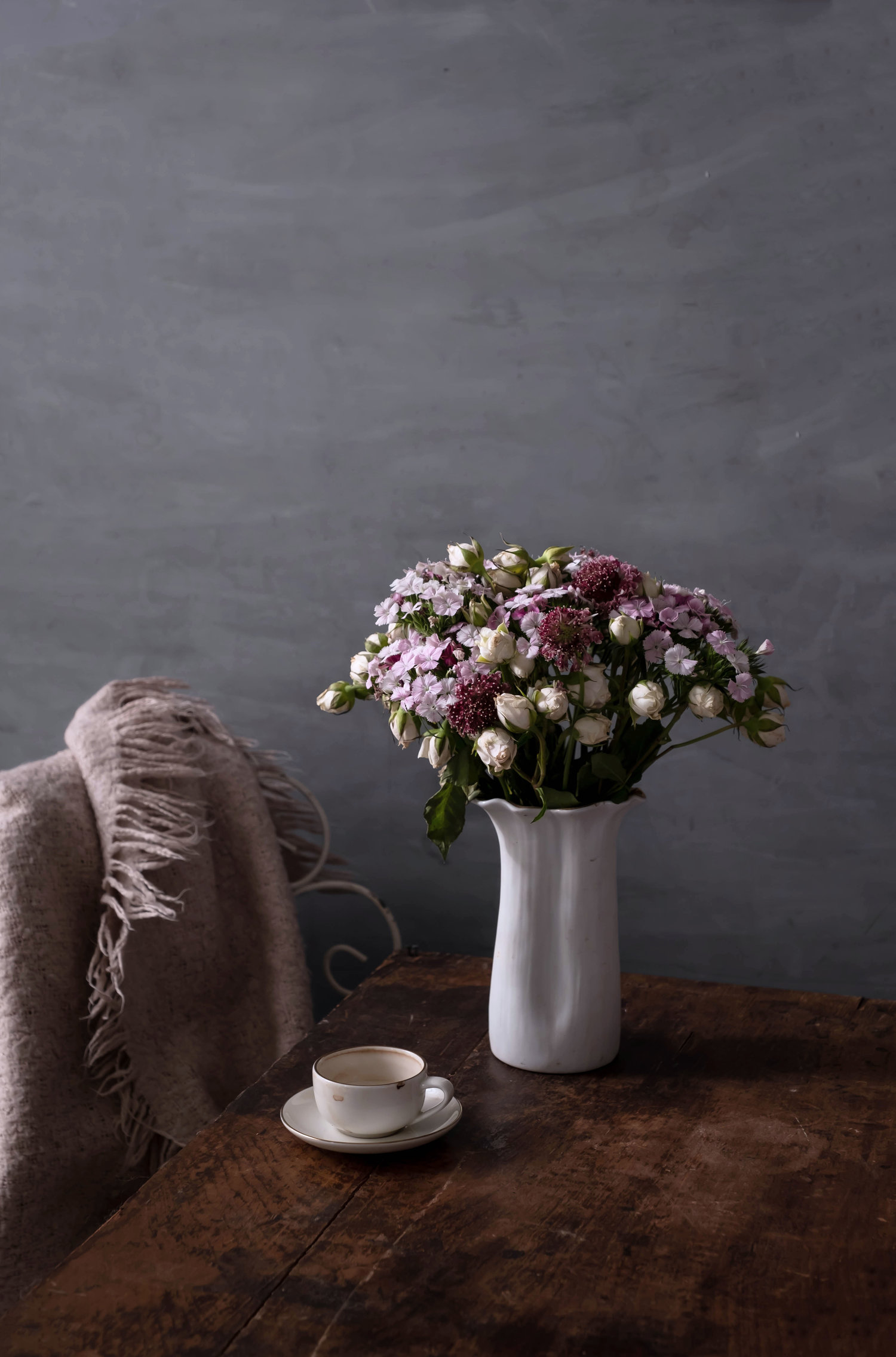 ROSE+&IVY+Journal+Holiday+Gifting+A+Guide+of+Flowers+&+Botanicals+Urban+Stems.jpeg