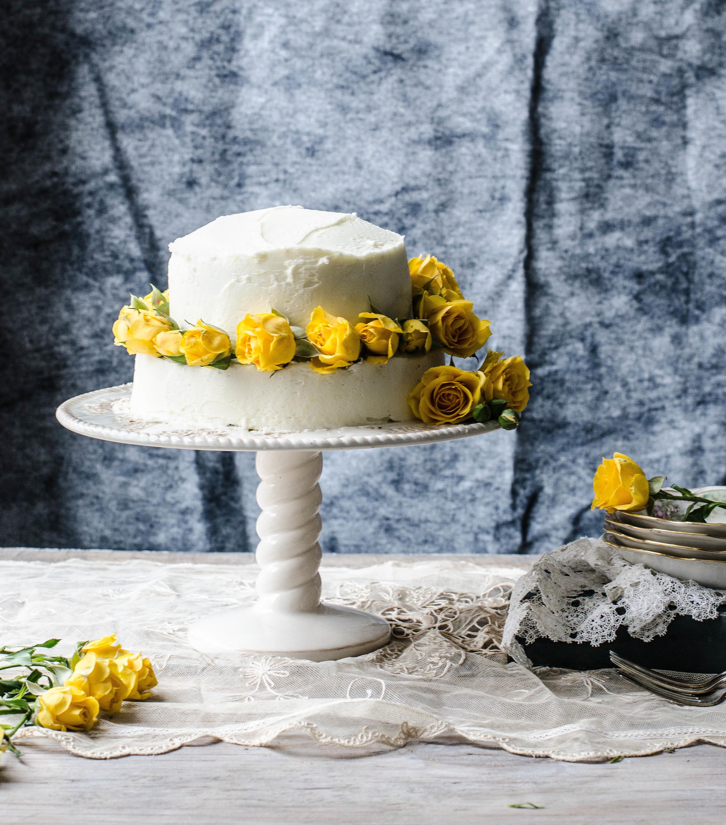 ROSE+&+IVY+JOURNAL+LEMON+CAKE+WITH+LEMON+BUTTERCREAM.jpeg