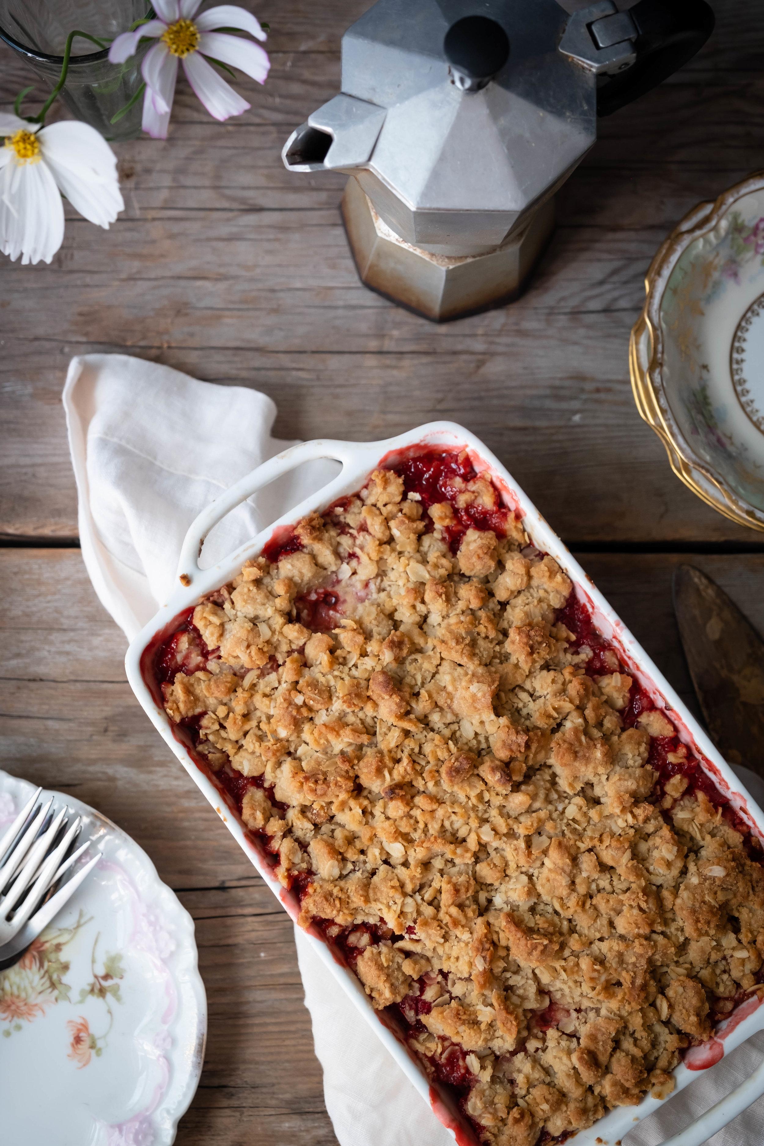 ROSE & IVY Strawberry Rhubarb Shortbread Bars