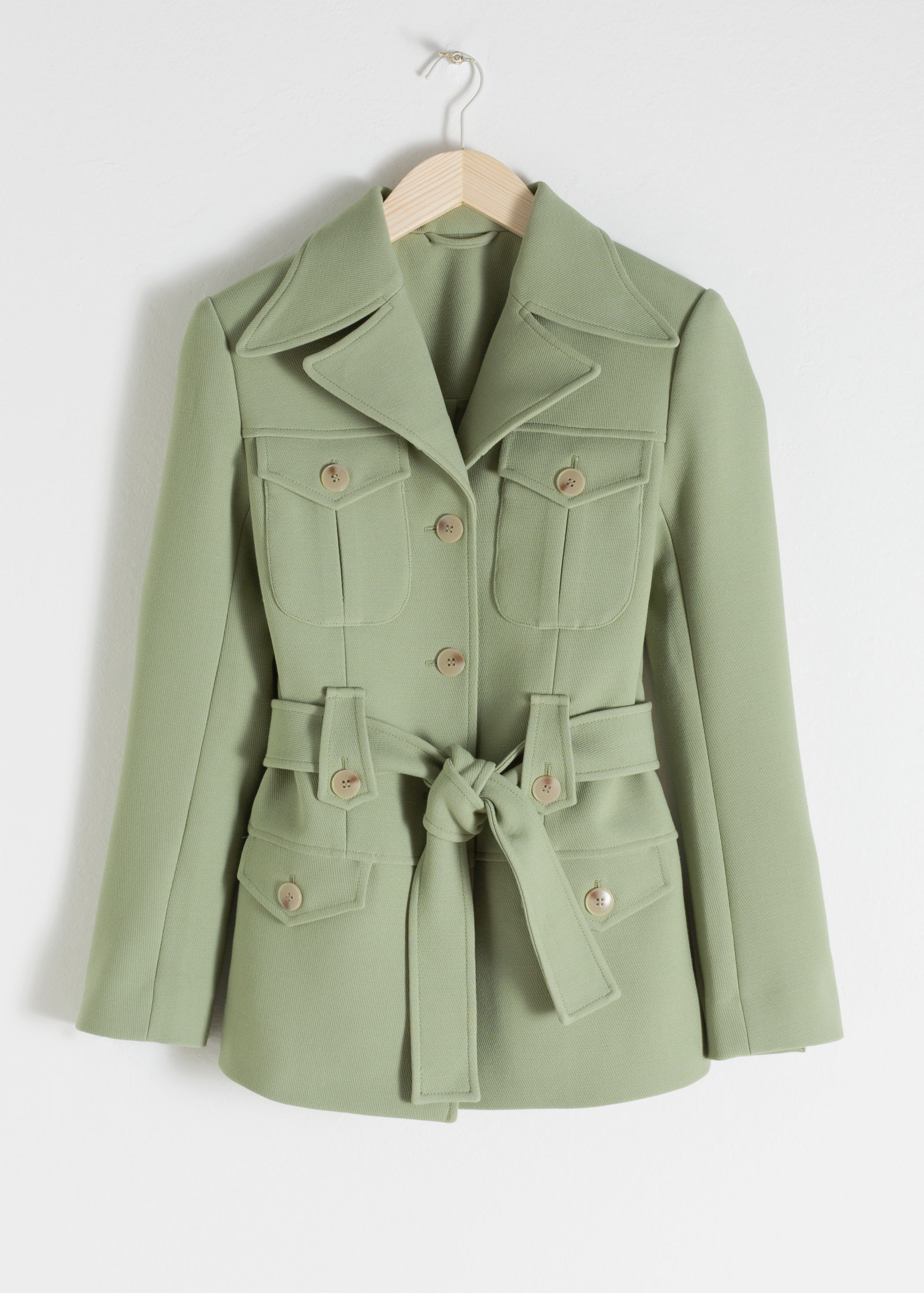 ROSE & IVY The Find | A Belted Workwear Jacket