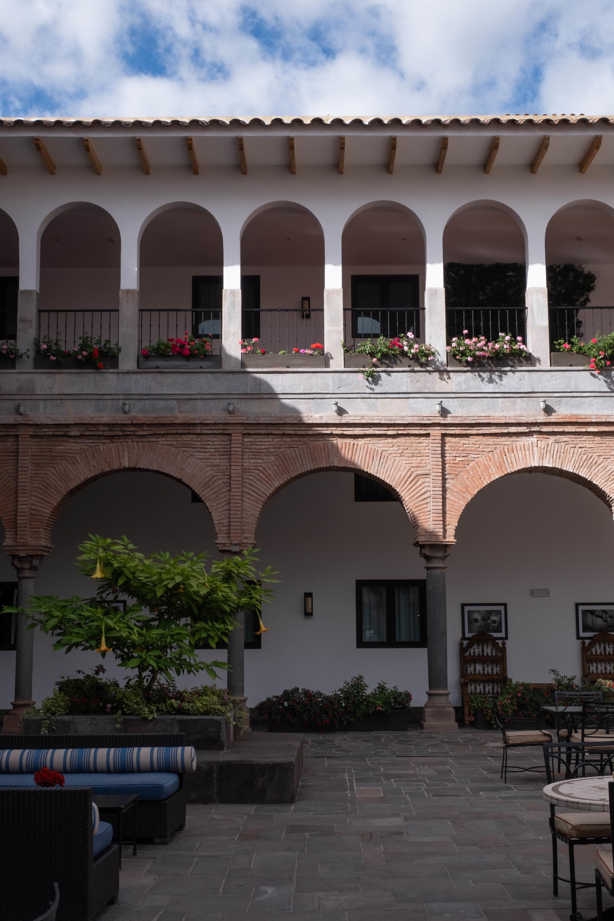 ROSE & IVY Checking Into JW Marriott El Convento Cusco