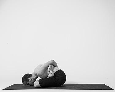 055-yoga-mudrasana.jpg