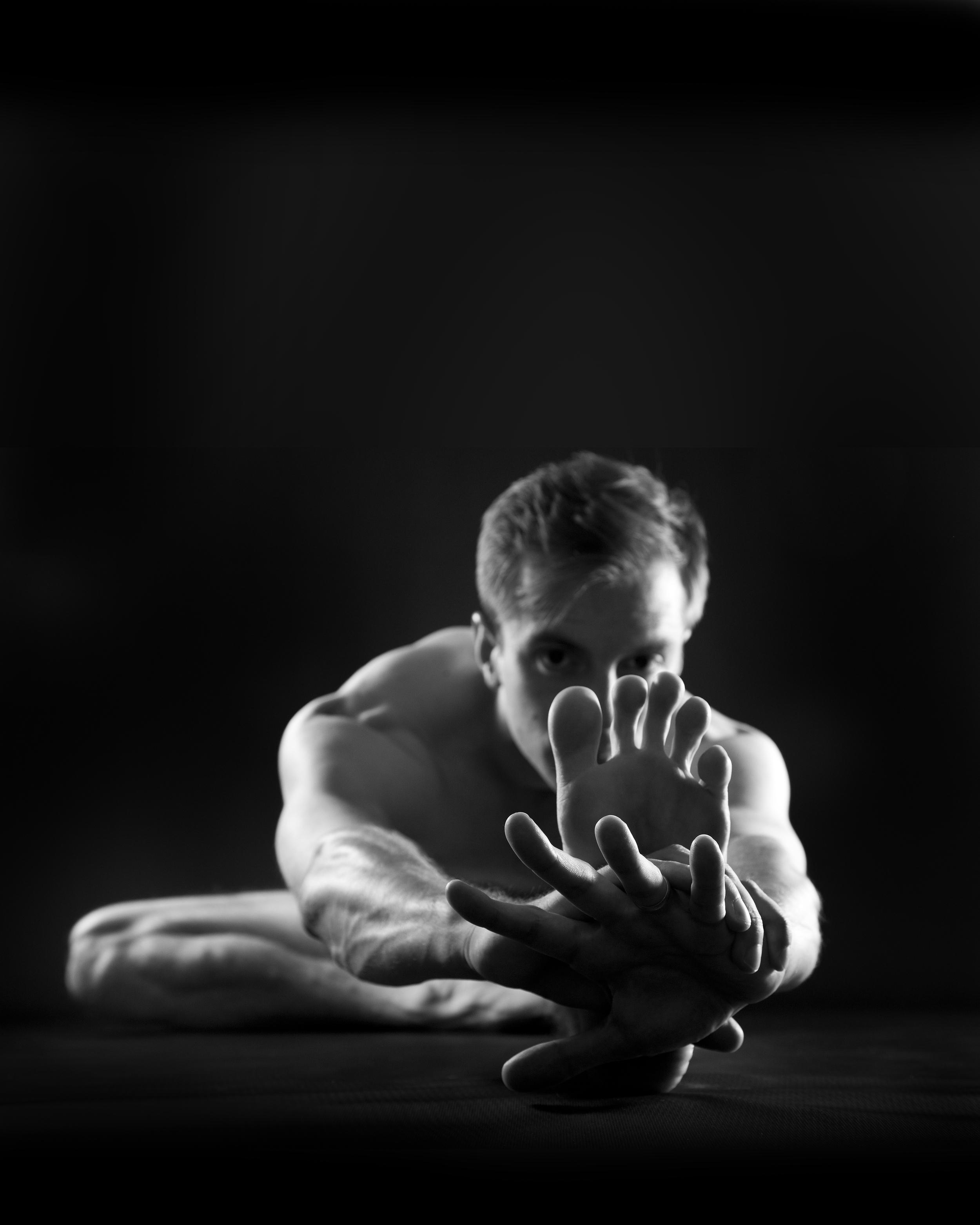 jack-cuneo-yoga-contact-02