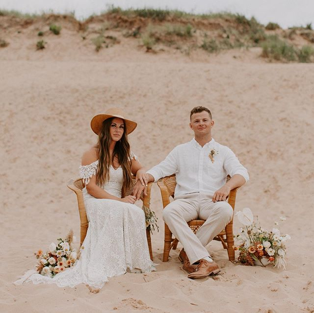 Introducing our newest find: these vintage wicker chair beauties! These are perfect for styled shoots, elopements, head table chairs for the couple, or to add style and fun to any event!