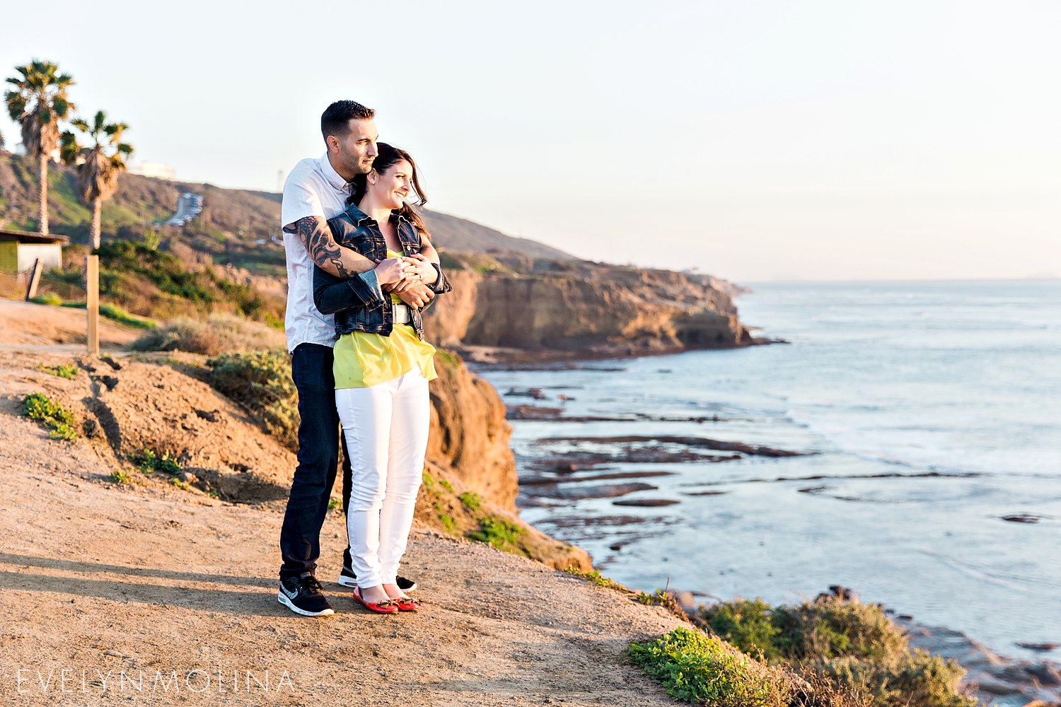 Sunset Cliffs Engagement Session - Carly and Alex - Evelyn Molina Photography_0014.jpg