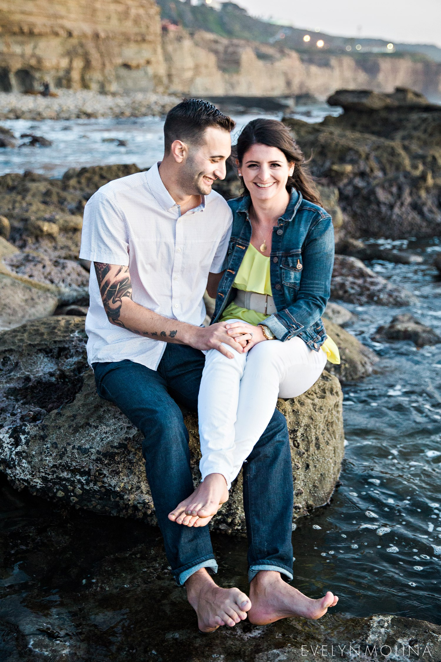 Sunset Cliffs Engagement Session - Carly and Alex - Evelyn Molina Photography_0032.jpg