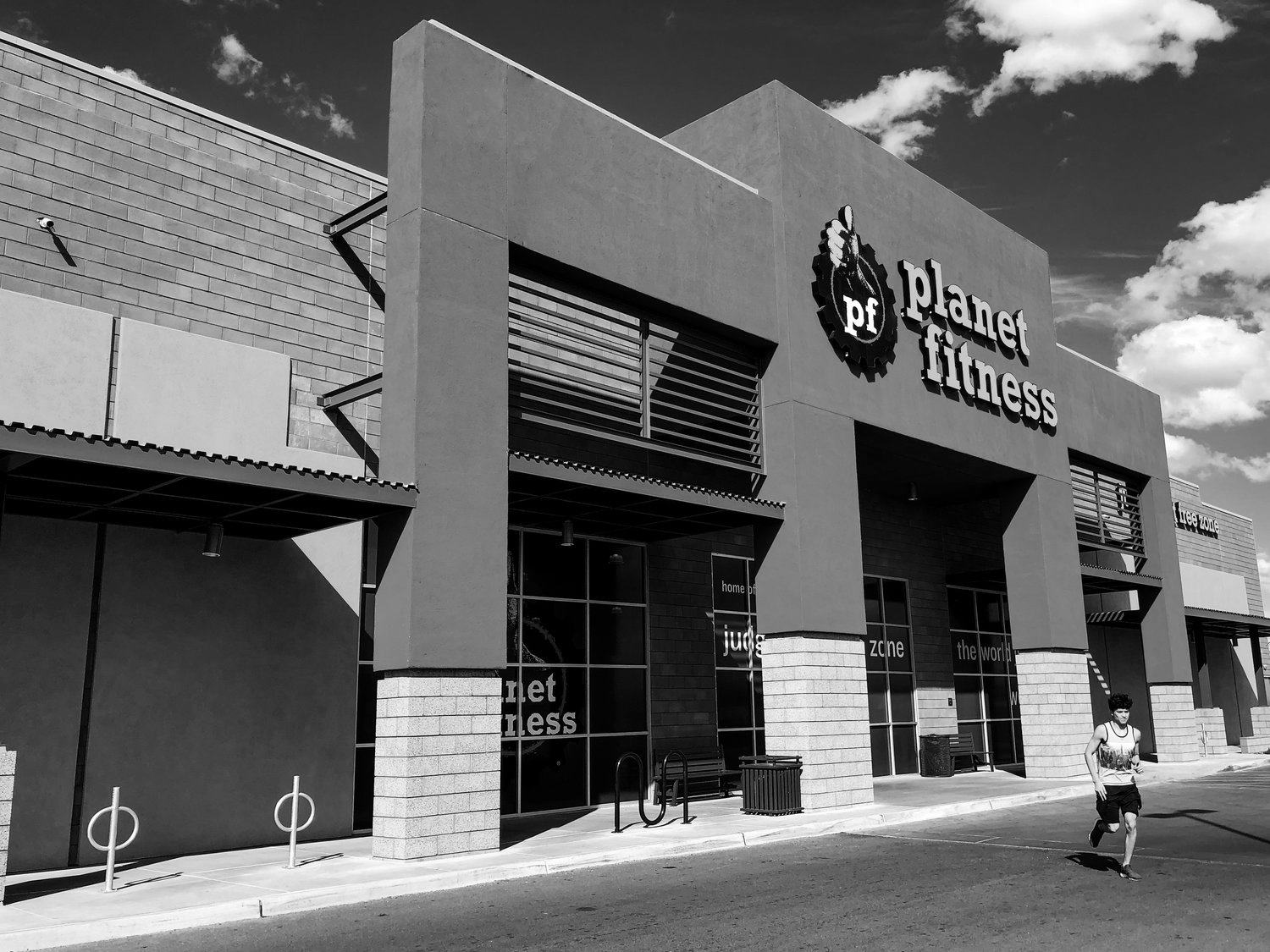 Planet Fitness @ Tucson Marketplace  (Retail Anchor, ~25,000 Sq Ft)
