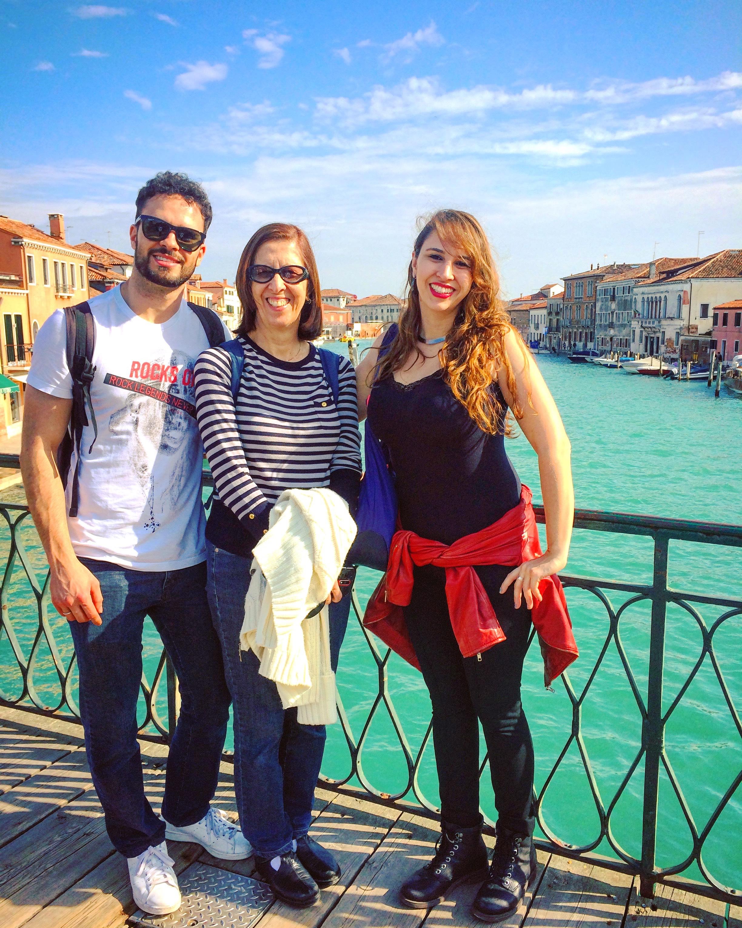 Teresa Cristina com os filhos Thata e Fernando