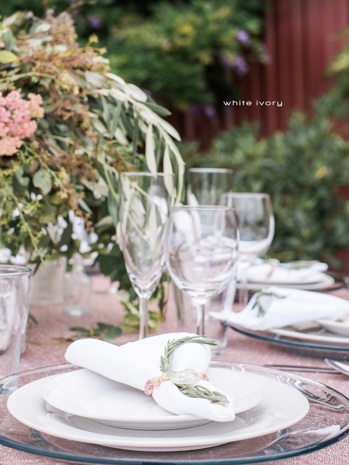 Place Settings and Servingware