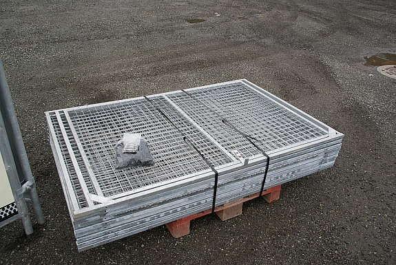 Hundegård blir levert flattpakket og klar på pall for henting