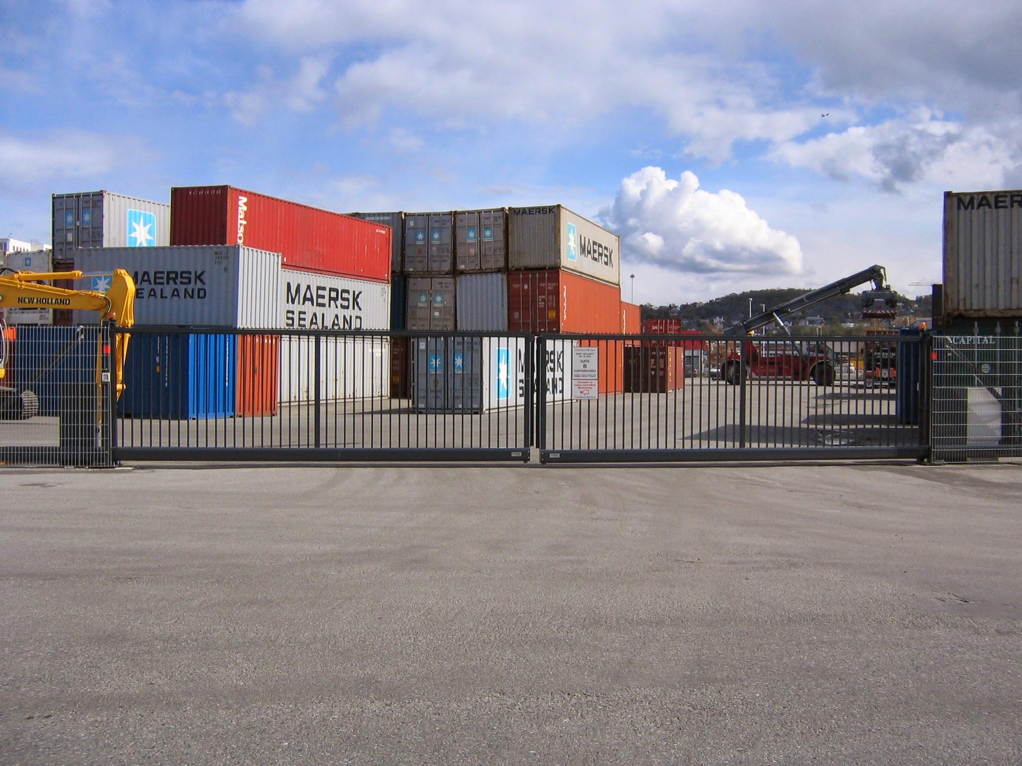 Containerkaia.jpg