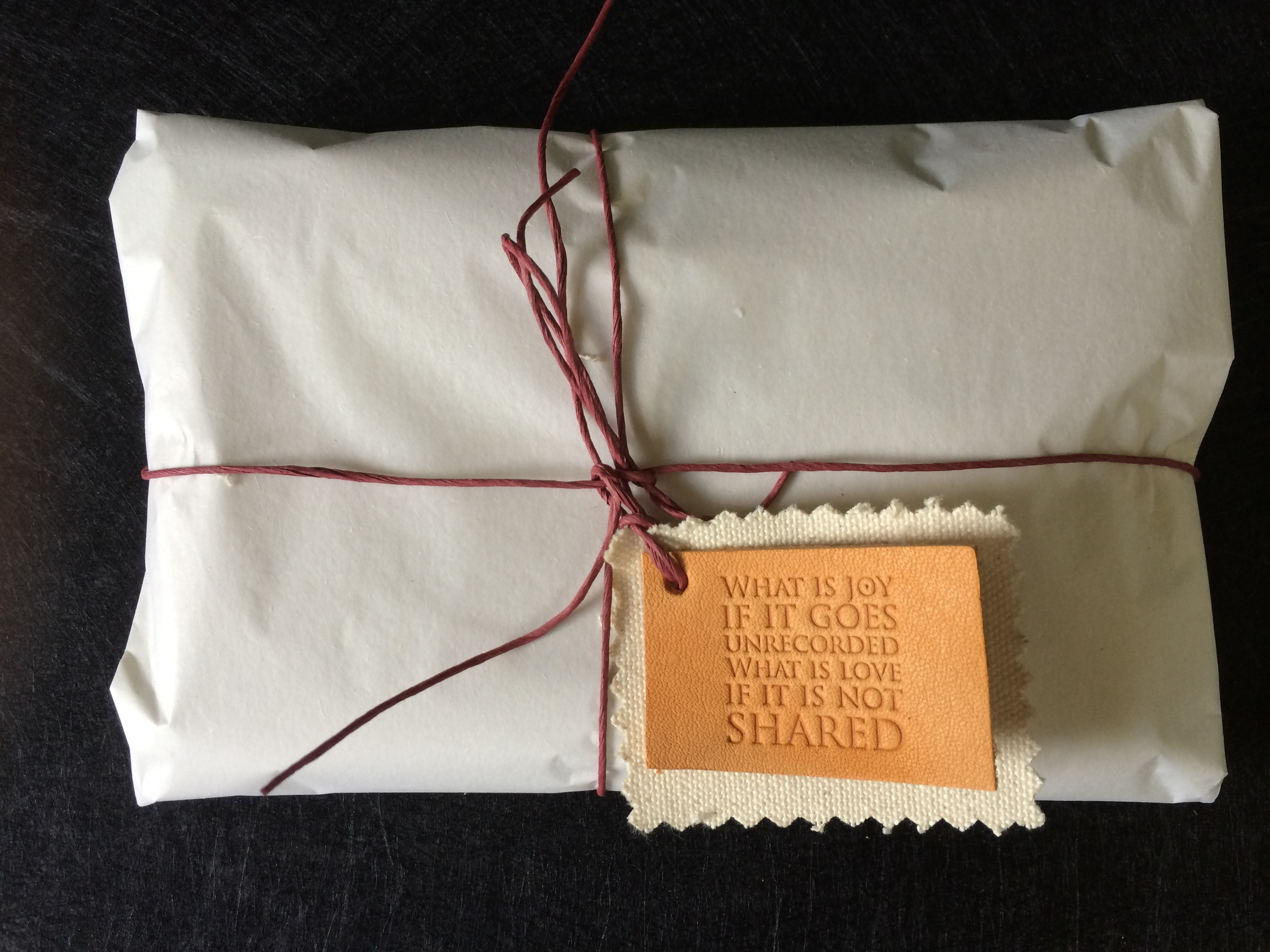 Packaging with quotations  ©FizzArrow